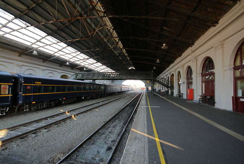 essay on description of railway station