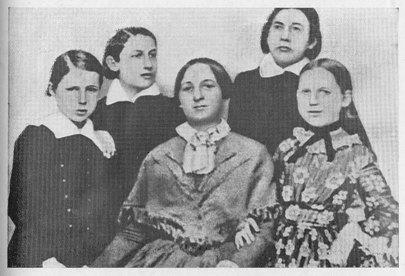 Božena Němcová s dětmi roku 1852