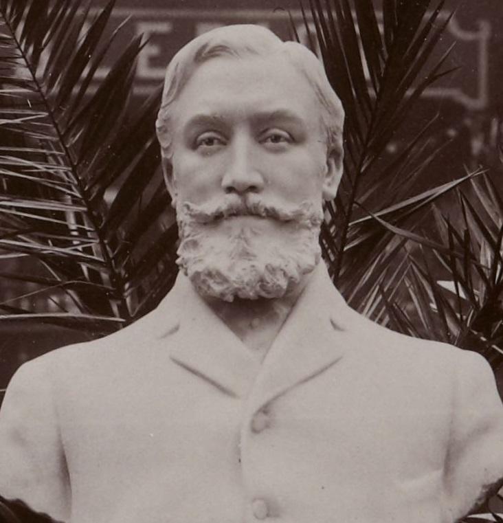 buste de marcel renault au 6e salon de l'automobile, grand-palais, 10- 25 décembre 1903 (cropped).jpg