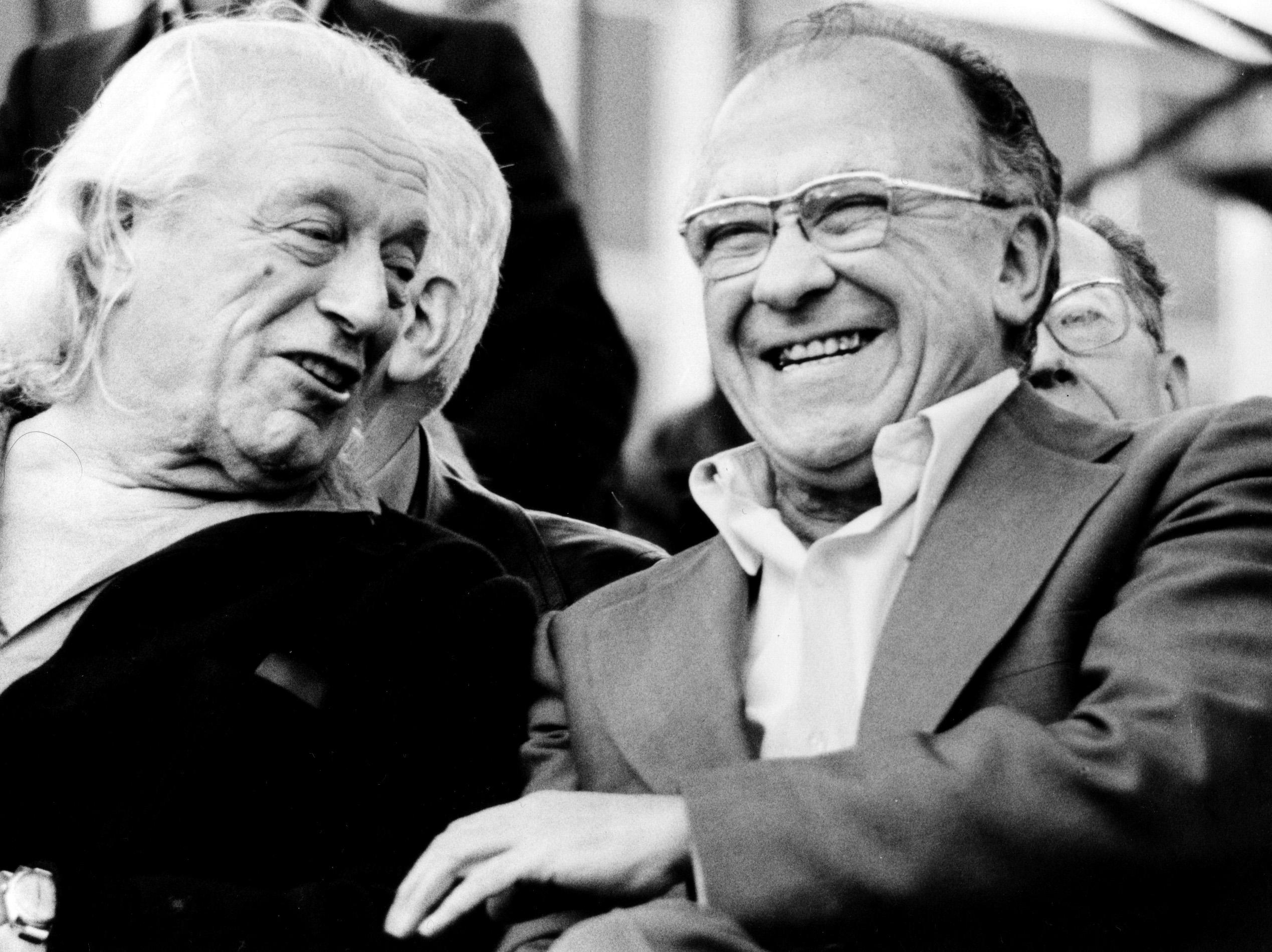 Santiago Carrillo y Rafael Alberti en la 1ª fiesta del PCE en la Casa de Campo. 1978.