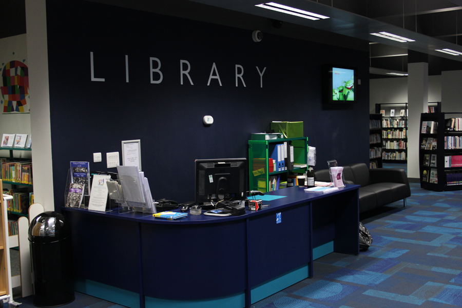 File Carshalton Library Staff Desk Jpg Wikimedia Commons