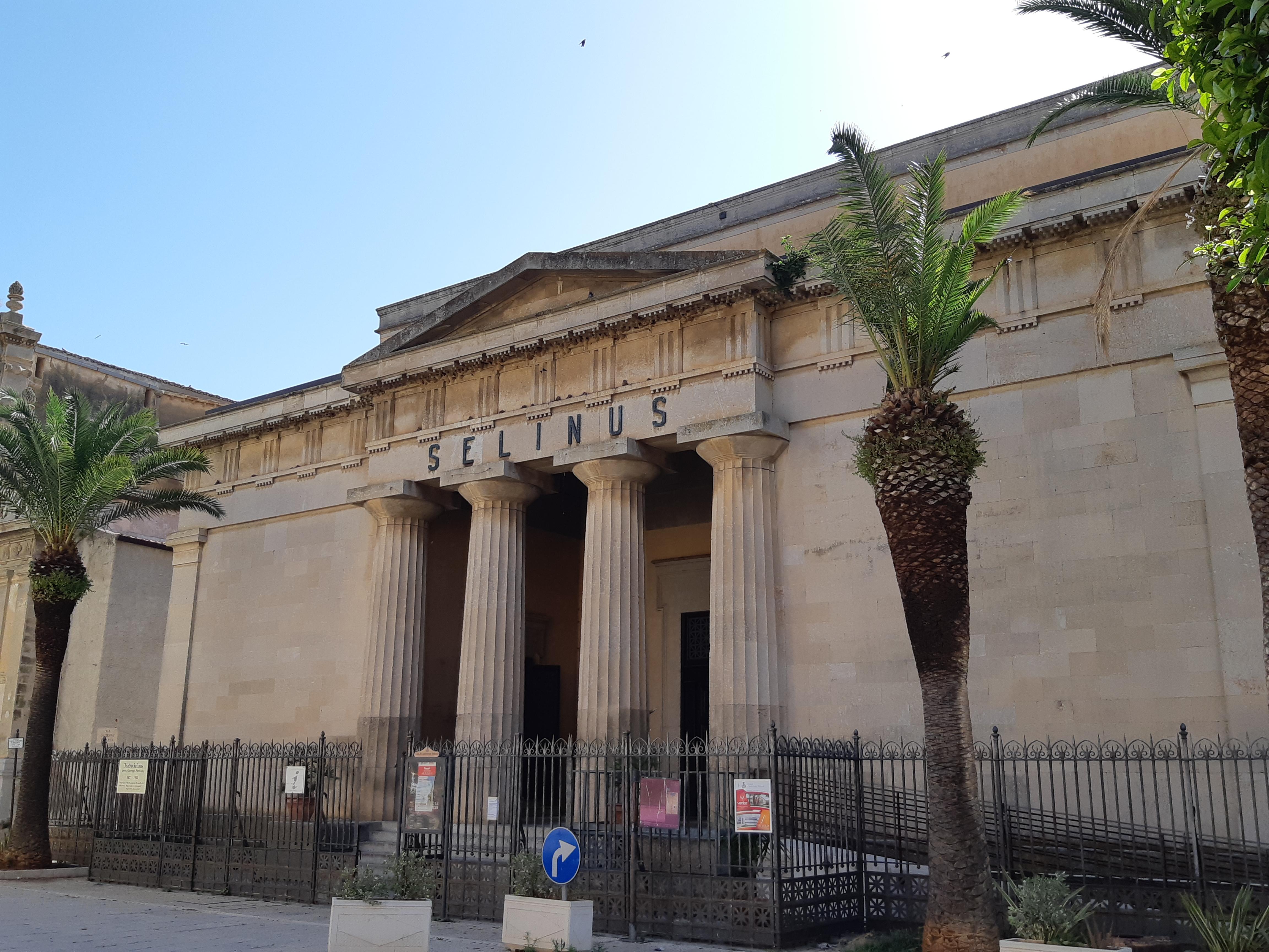 Castelvetrano - Teatro Selinus.jpg