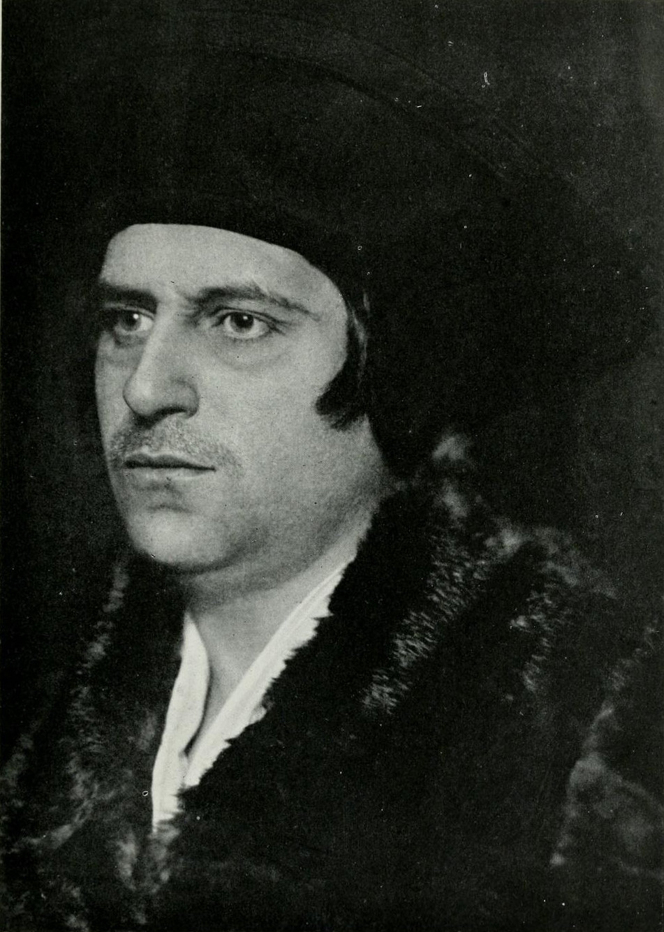 Cavendish Morton as Sir Thomas More (2).jpg