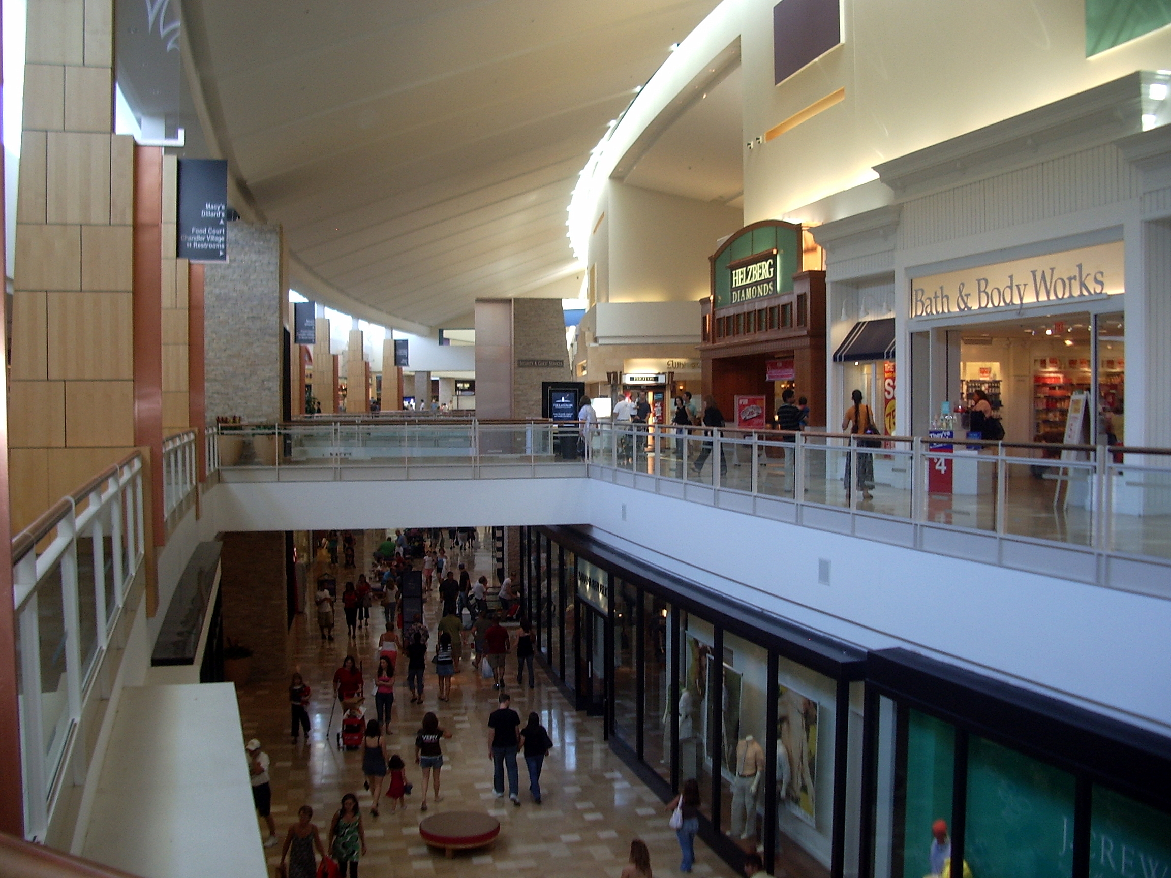 Phenomenal Chandler Fashion Center Wikipedia Home Interior And Landscaping Eliaenasavecom