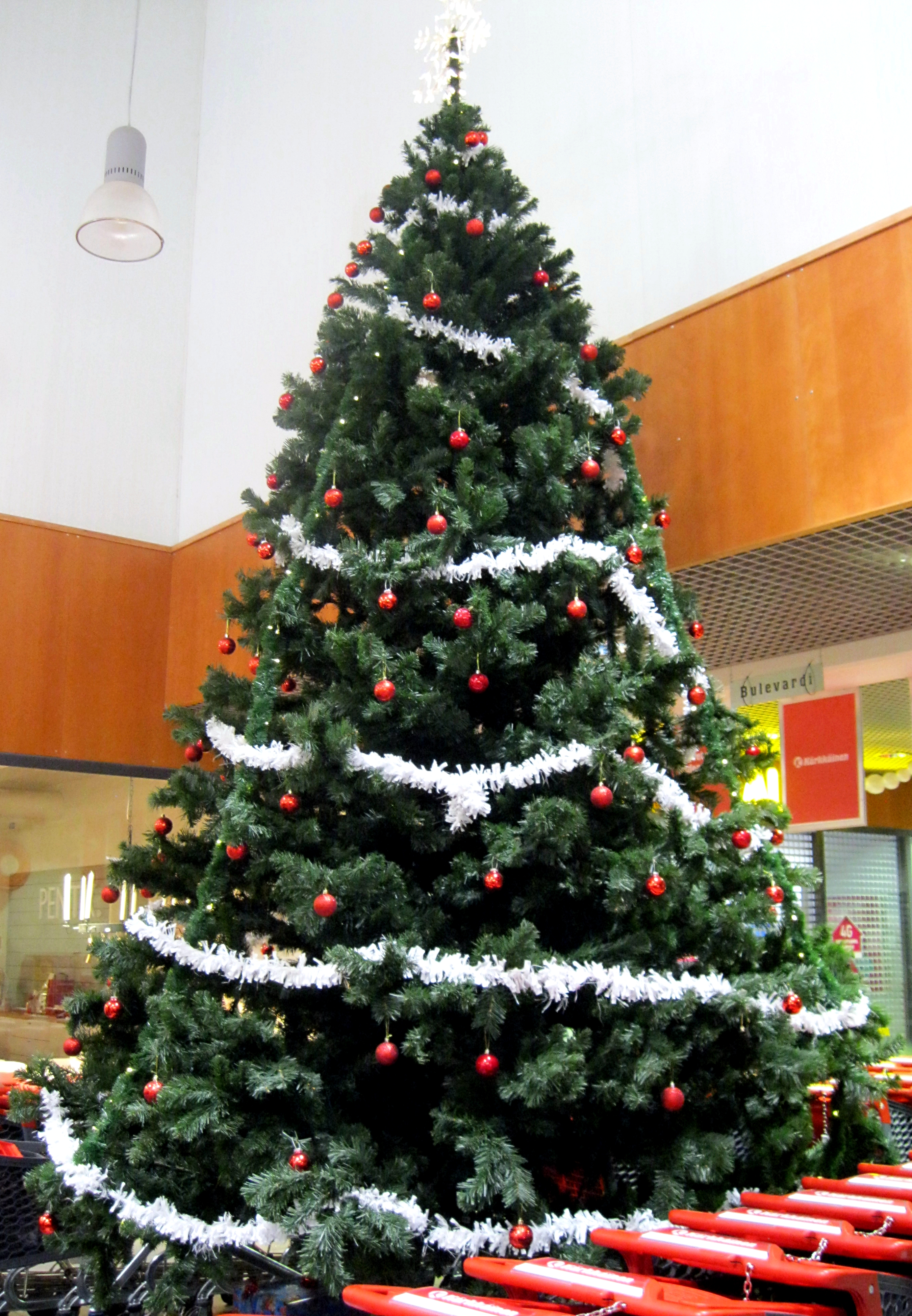 filechristmas tree in j krkkinenjpg - 10 Christmas Tree