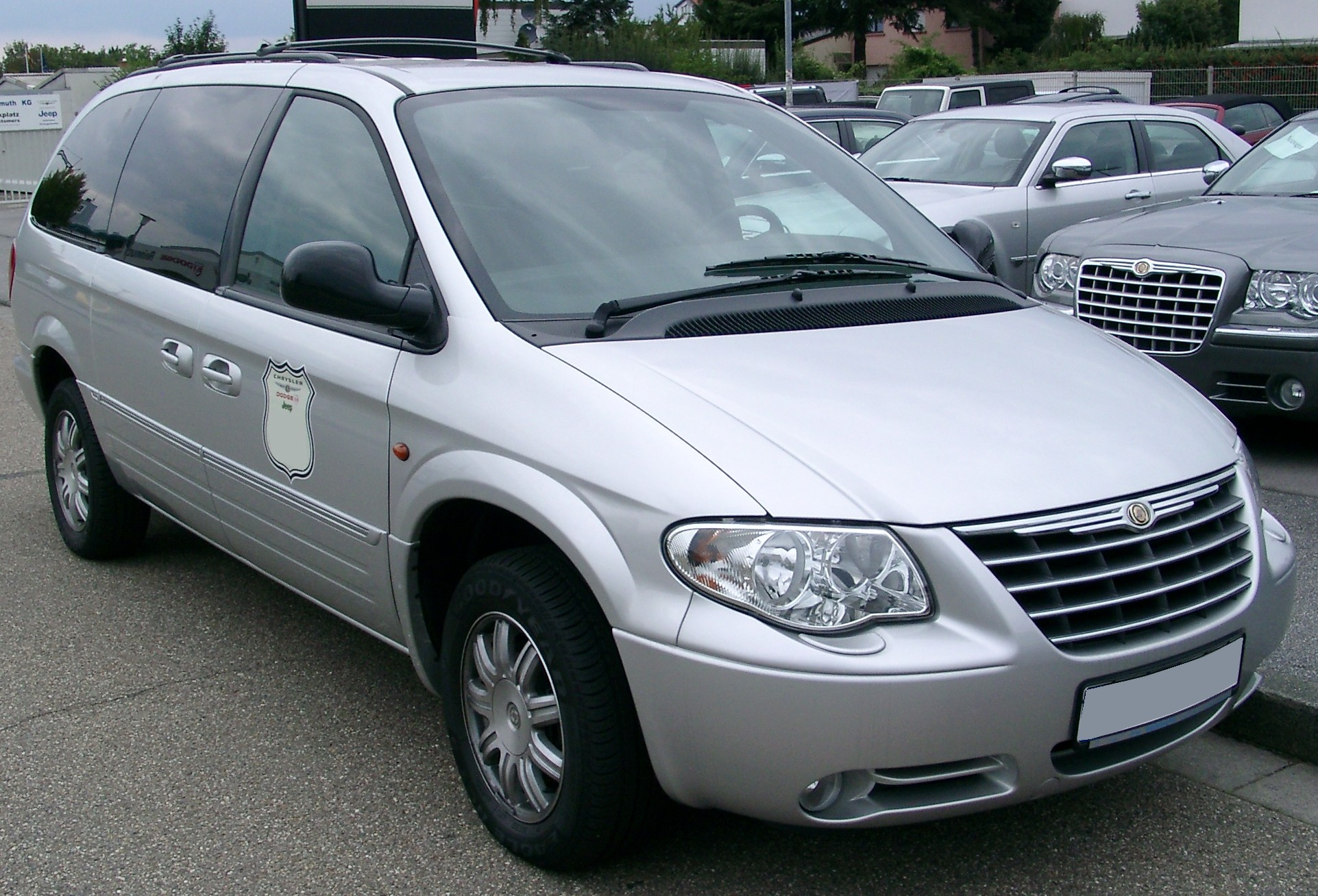File:Chrysler Grand Voyager front 20070902.jpg - Wikipedia, the free ...