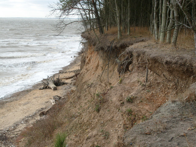 Cliff Erosion, East Mersea - geograph.org.uk - 1574988