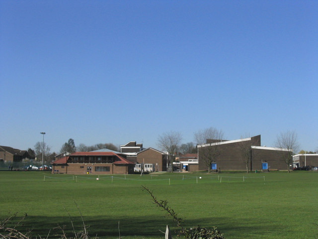 File:Coopers' Company and Coborn School, Upminster - geograph.org.uk - 147593.jpg