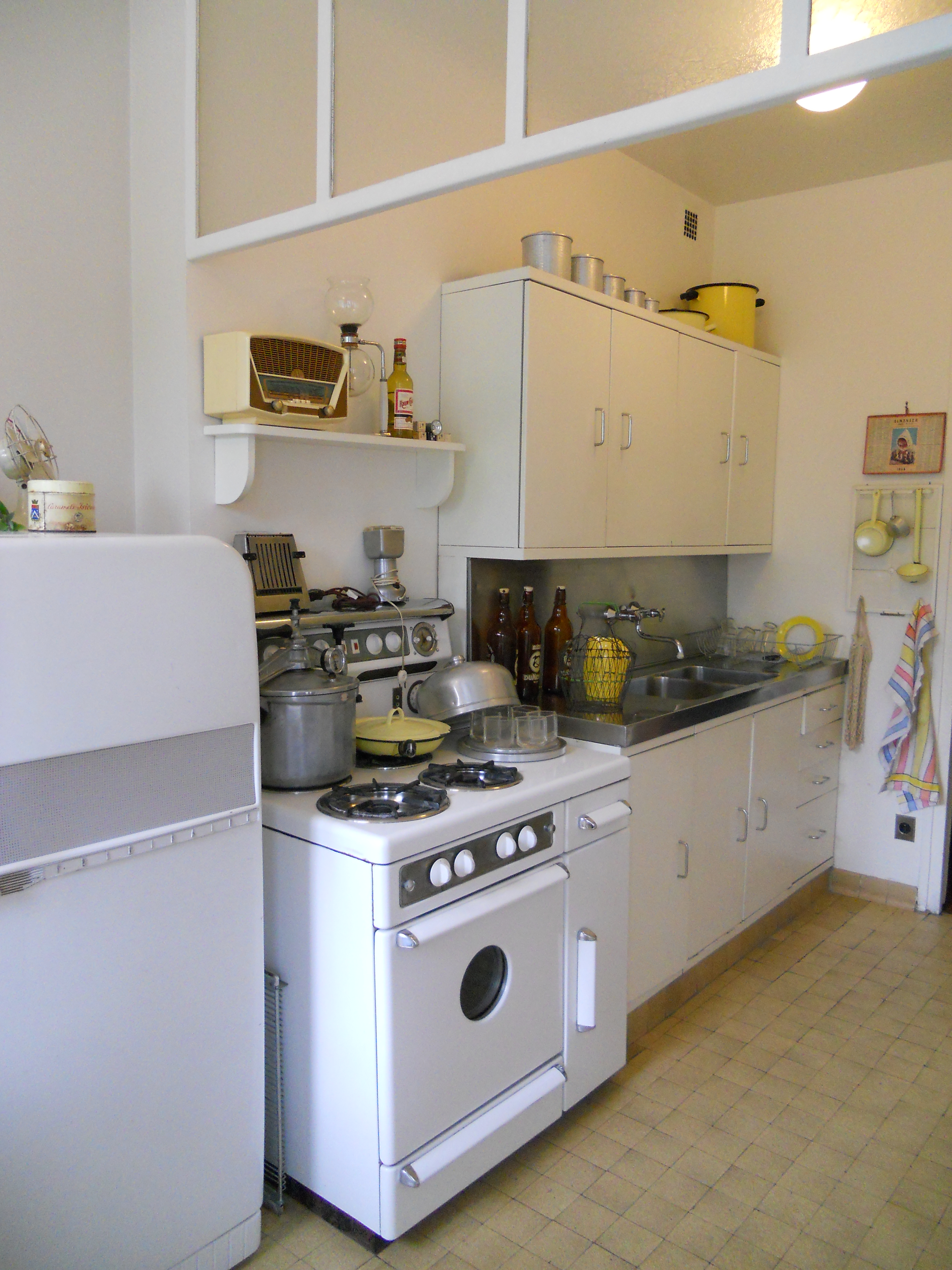 file cuisine de l 39 appartement t moin perret au havre jpg. Black Bedroom Furniture Sets. Home Design Ideas