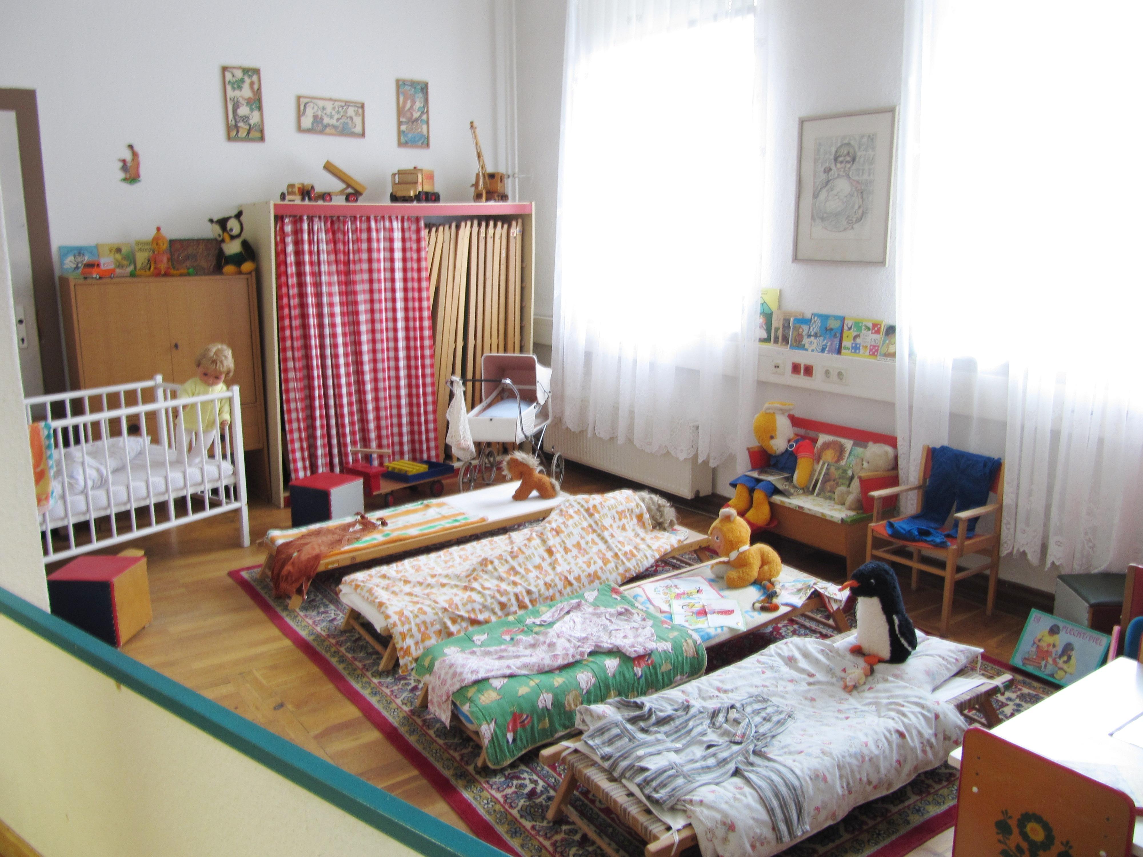File Ddr Museum Pirna Kindergarten Schlafzimmer 2015 01 17 Jpg Wikimedia Commons