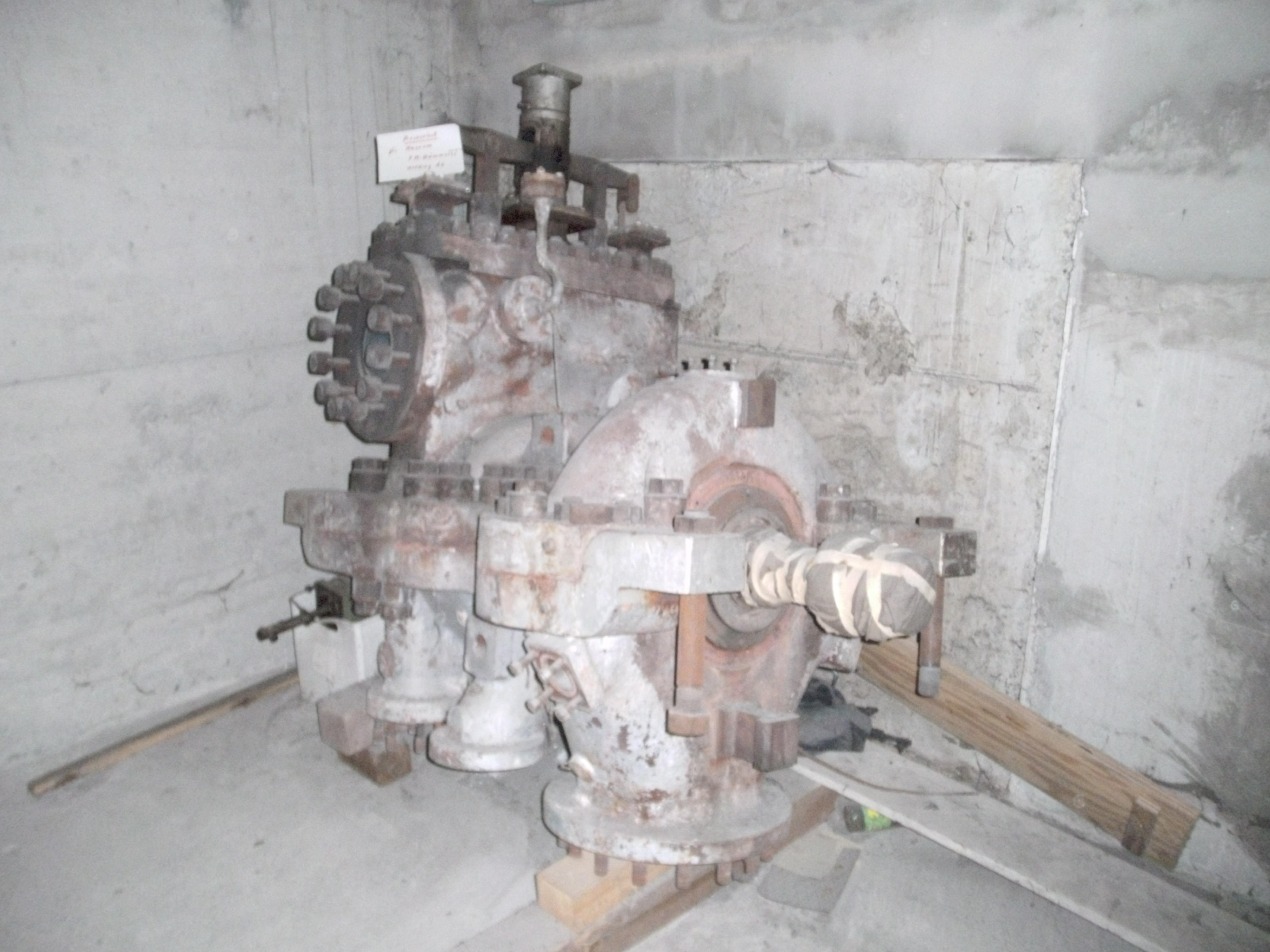 File:Dampfgenerator-F.M.Hämmerle-WerkFischbach-01.jpg - Wikimedia ...