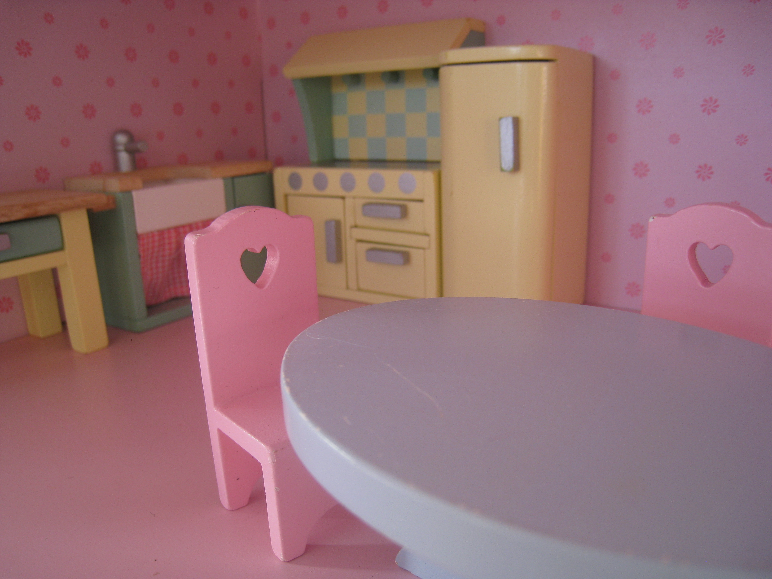 File:Dolls House Kitchen.JPG