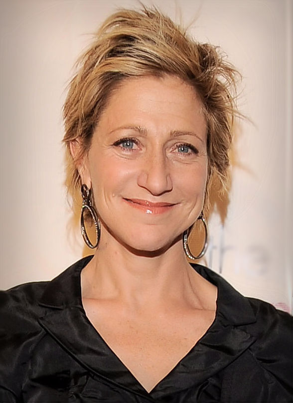 Den 55-år gammal, 165 cm lång Edie Falco in 2018 photo