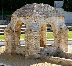 http://upload.wikimedia.org/wikipedia/commons/c/ca/Fontanilla_Palos.jpg