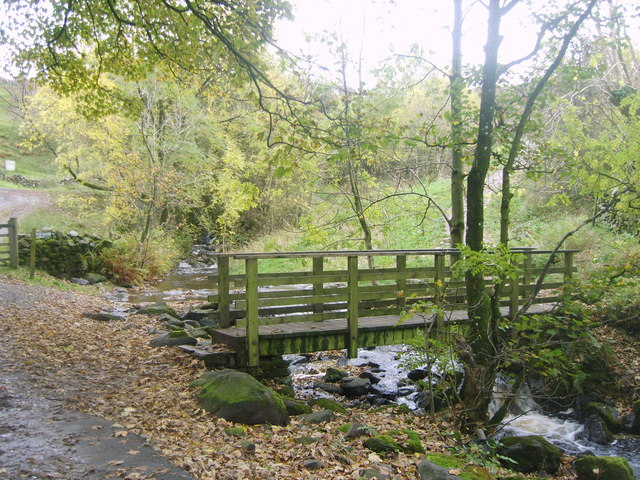 Footbridge, Brockle Beck - geograph.org.uk - 1551820