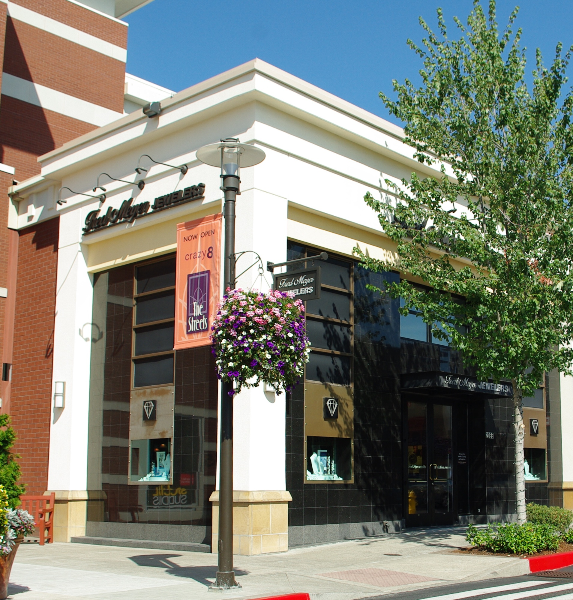Mixing main street charm with shopping center conveniences; The Streets of Tanasbourne is a great place to meet friends for lunch or dinner, fabulous tax-free shopping, or just coffee by the fountain.3/5(39).