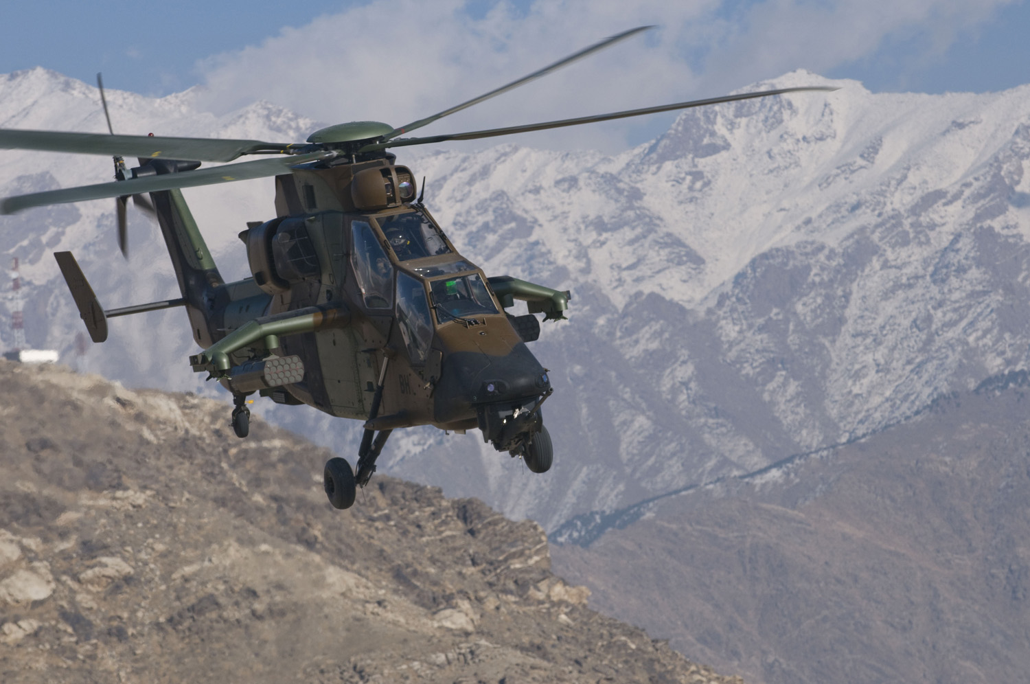 french army helicopters with File French  Us Forces Continue Working Side By Side on Watch further Pic Detail furthermore Caiman mali further File French  US forces continue working side by side also The Presidents Secret Air Force 215091.