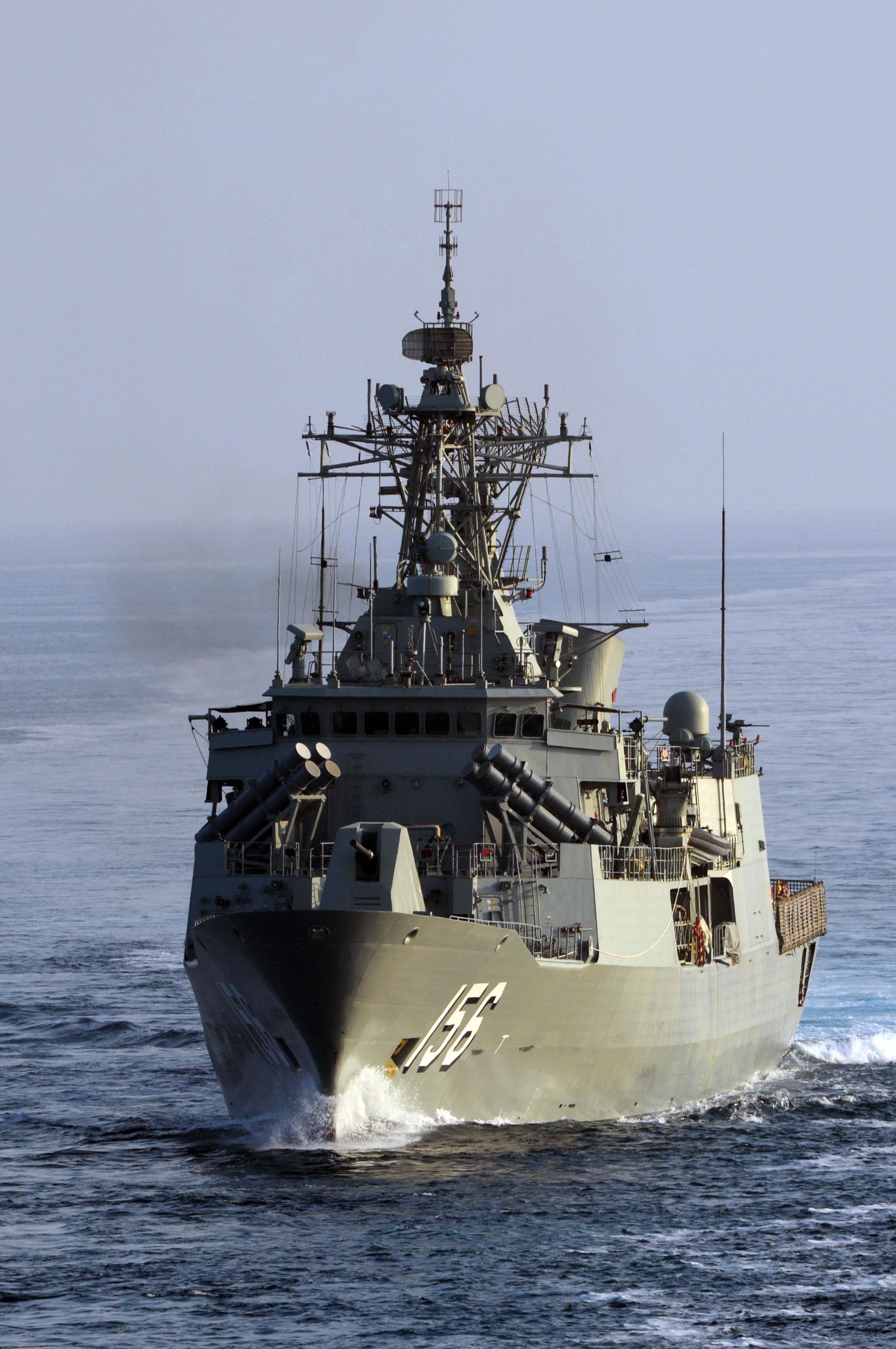 HMAS_Toowoomba_FFH-156_Gulf_of_Oman.jpg