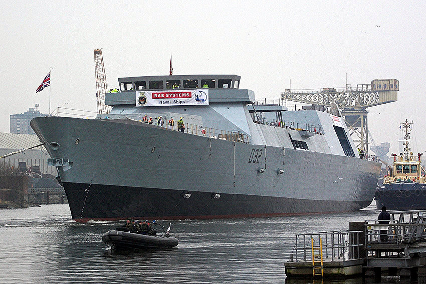 File:HMS Daring at Scotstoun.JPG - Wikipedia, the free encyclopedia