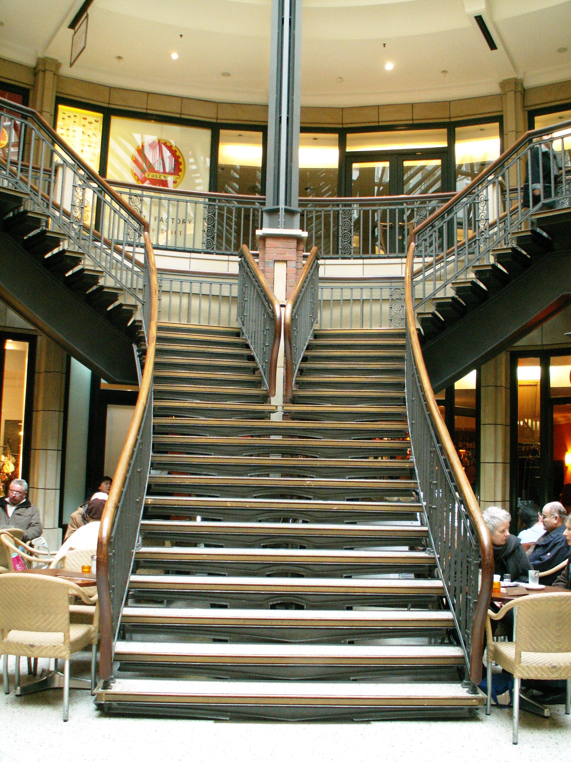 file hamburg levantehaus treppe jpg wikimedia commons