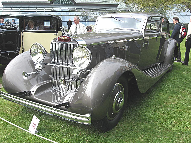 Hispano-Suiza_J12_Front-view.JPG