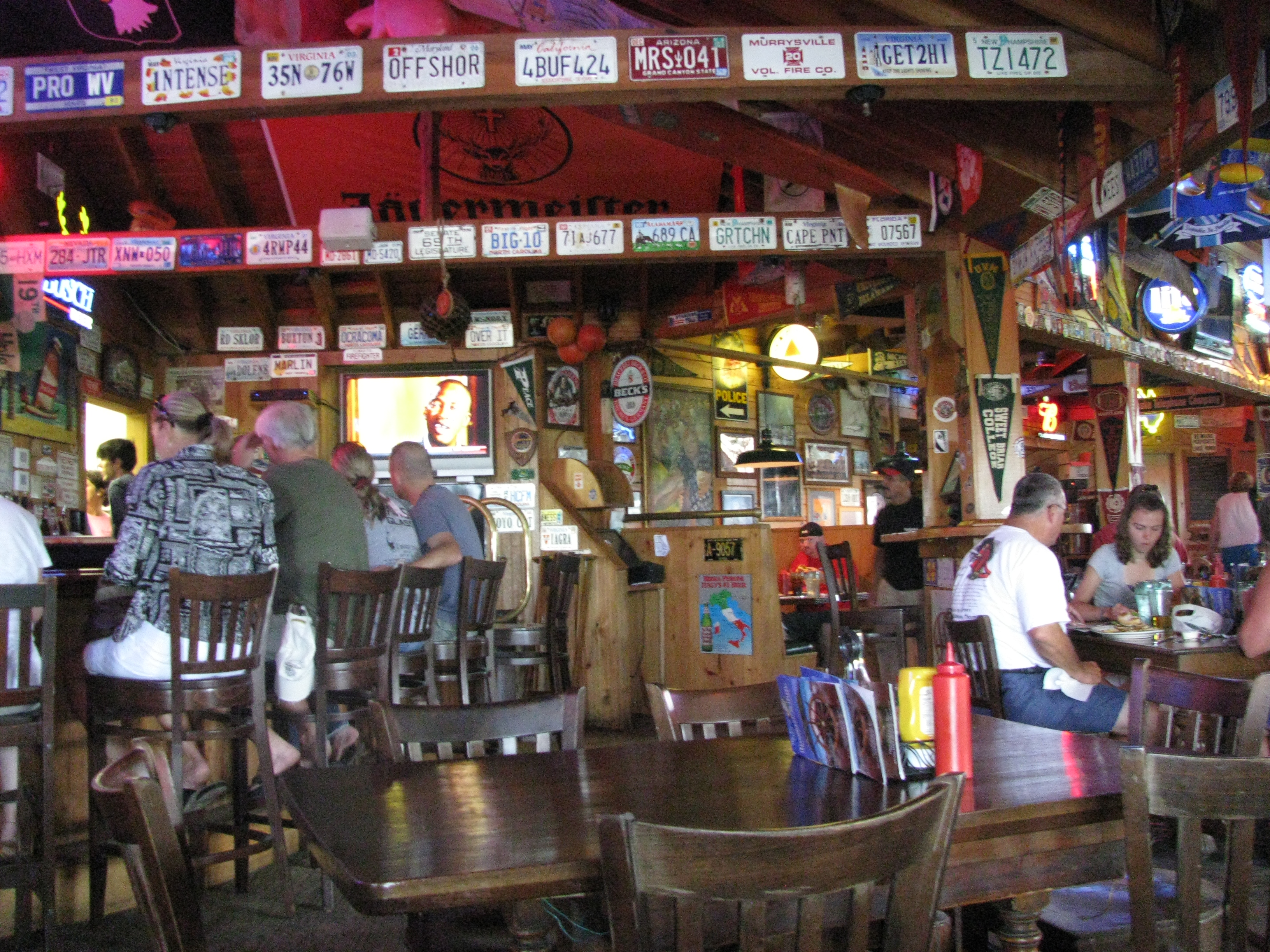 Filehowards Pub In Ocracoke Insidejpg Wikimedia Commons