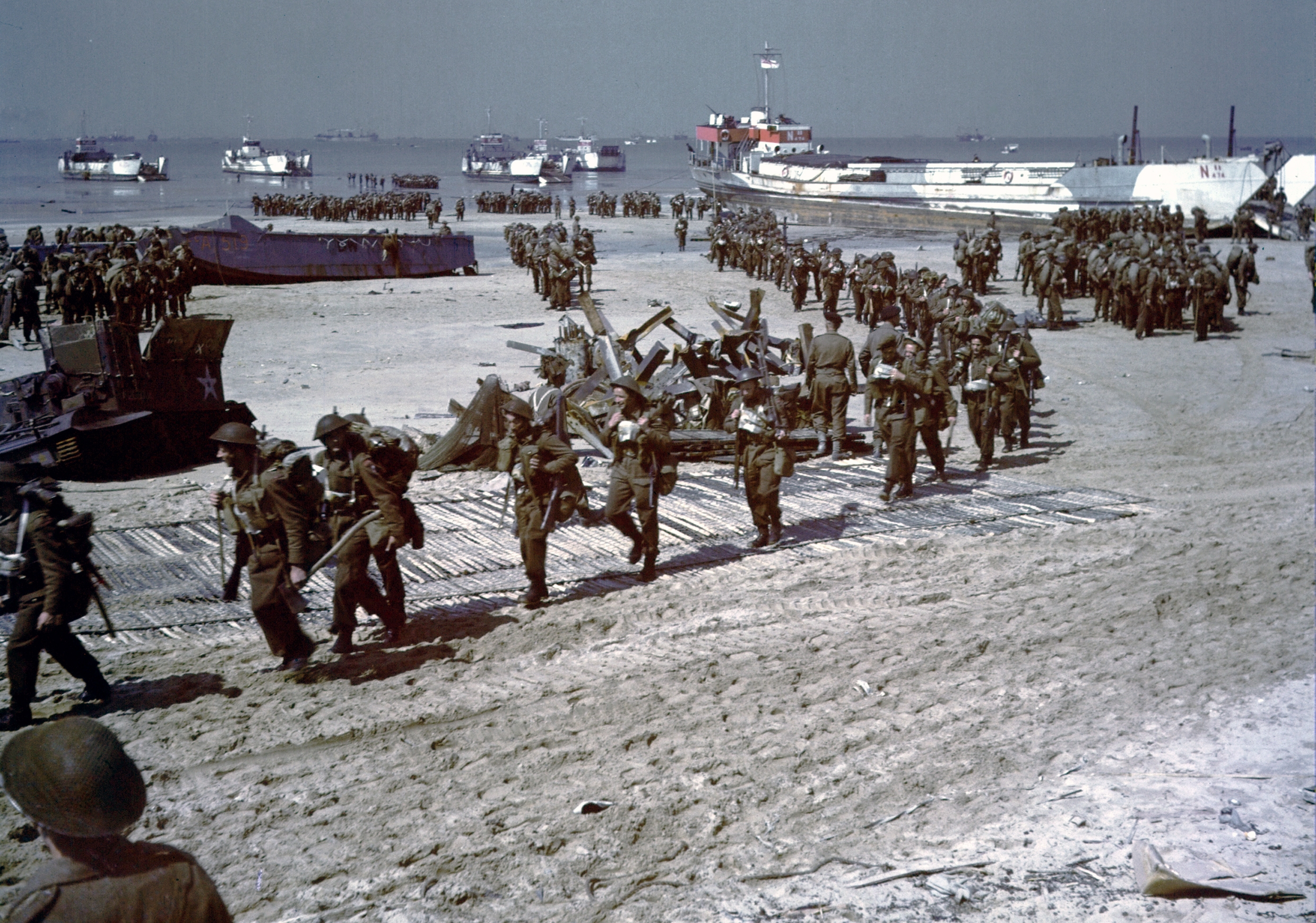 File Juno Beach Canadian Reinforcements Jpg