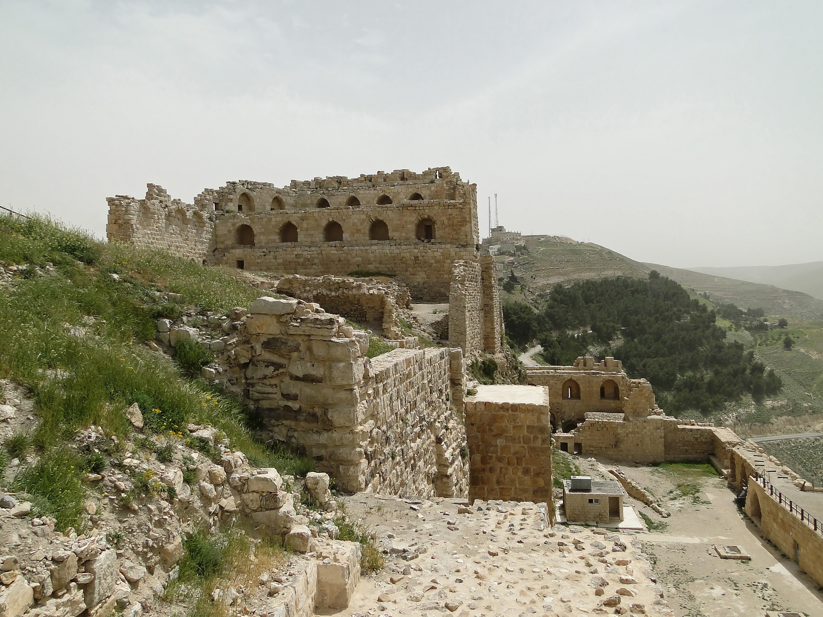 Karak Jordan  City new picture : Karak Castle 04 Wikimedia Commons
