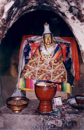A statue of Emperor Songtsen Gampo in a cave at Yerpa King Songsten Gampo's statue in his meditation cave at Yerpa.jpg