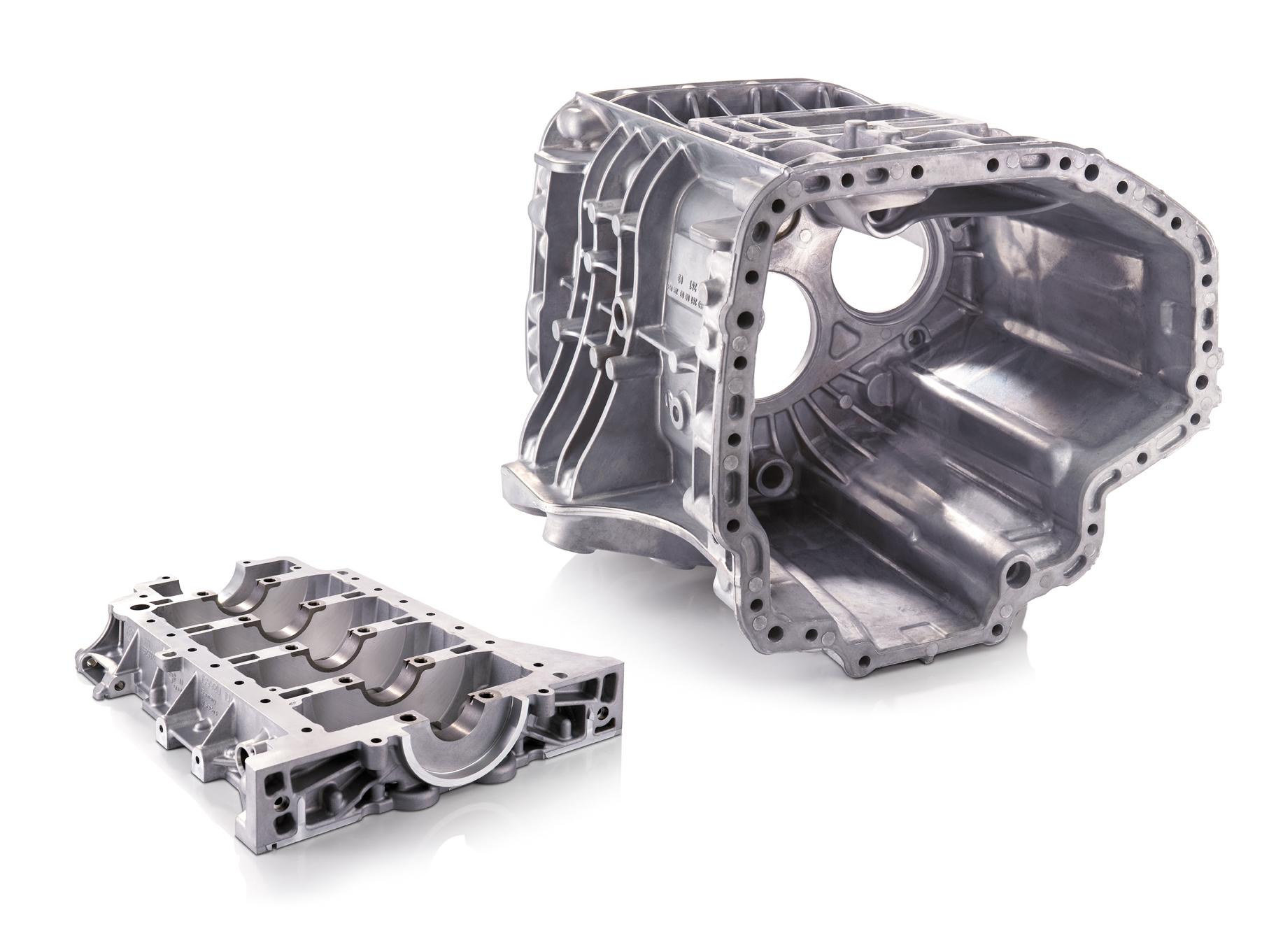 File:LKW-Getriebe und Bedplate-1.jpg