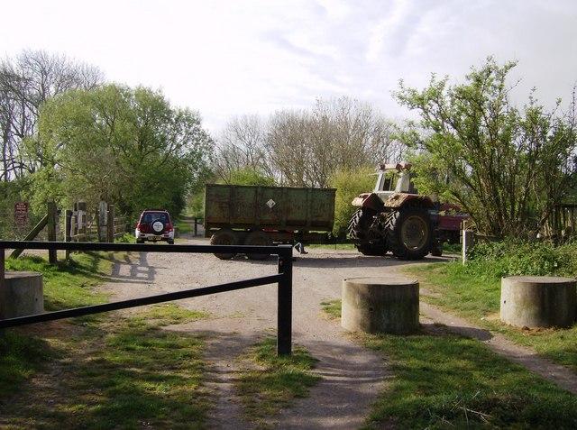 Level crossing on Brampton Valley Way - geograph.org.uk - 446227