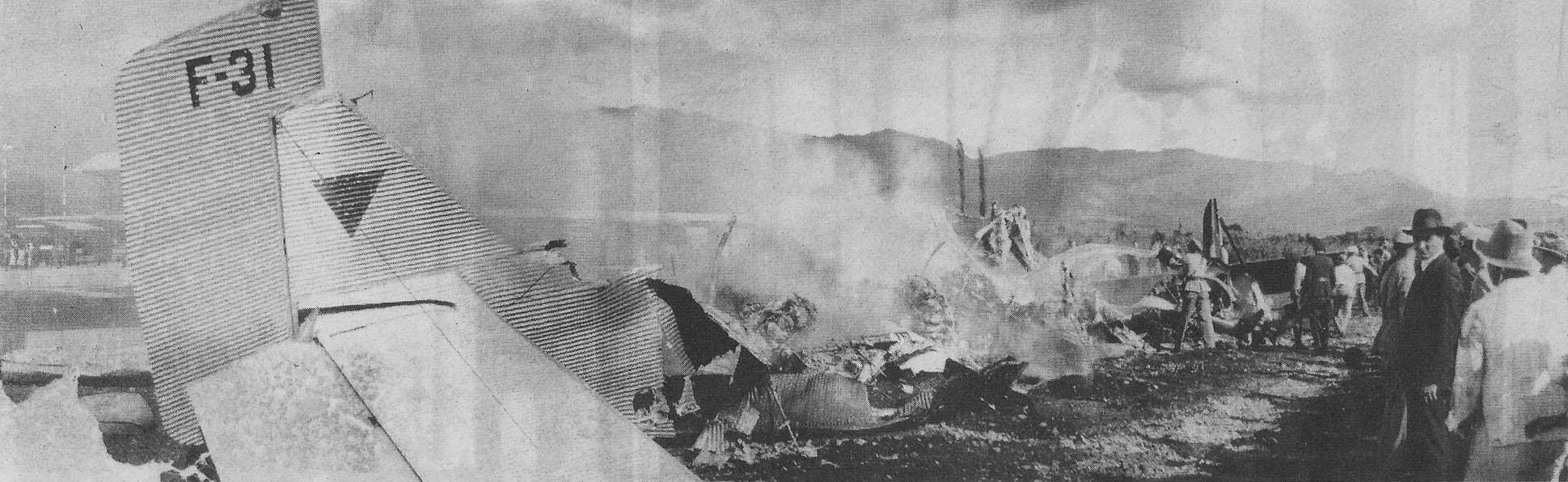 Restos de los aviones después del choque. Entre sus pasajeros estaba el cantante Carlos Gardel.