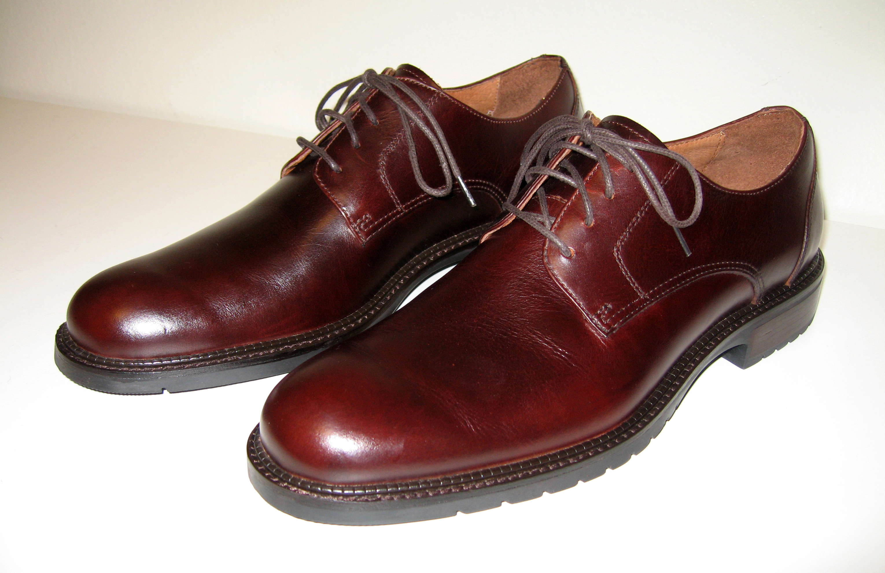 Mens brown derby leather shoes.jpg