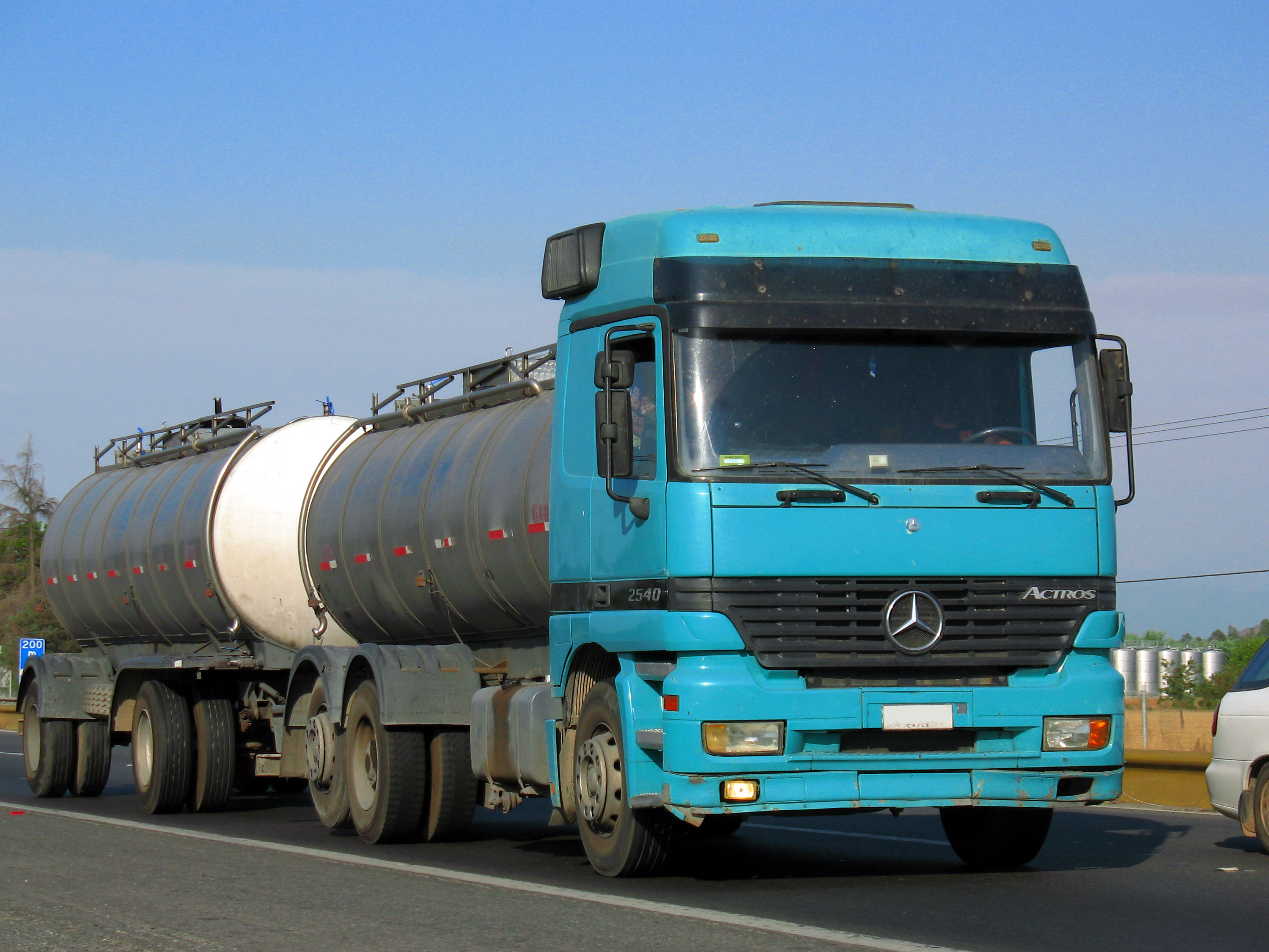 File:Mercedes Benz Actros 2540 1998 (14400340614).jpg