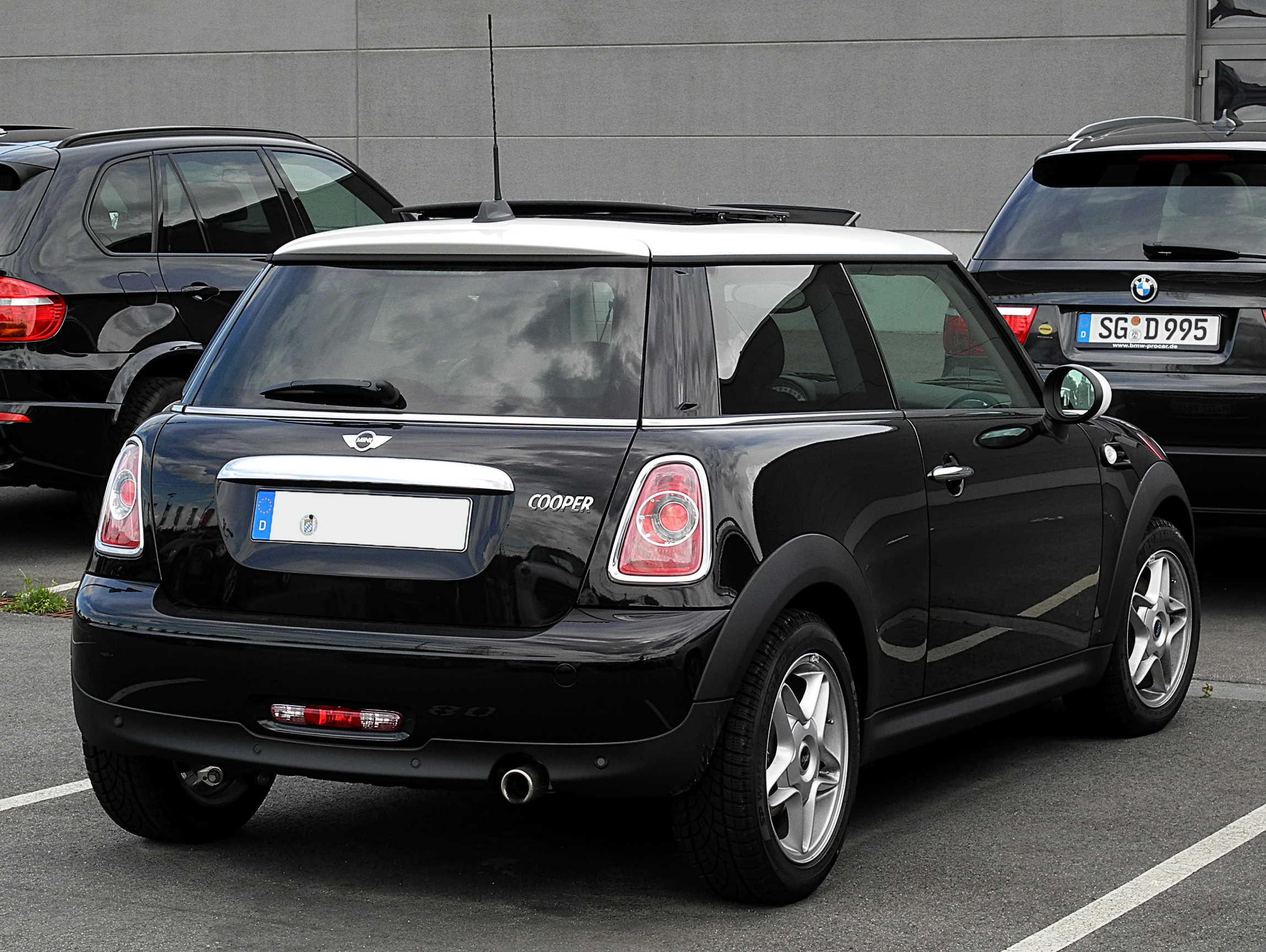 file mini cooper r56 facelift heckansicht 1 17 juli 2011 d wikimedia. Black Bedroom Furniture Sets. Home Design Ideas