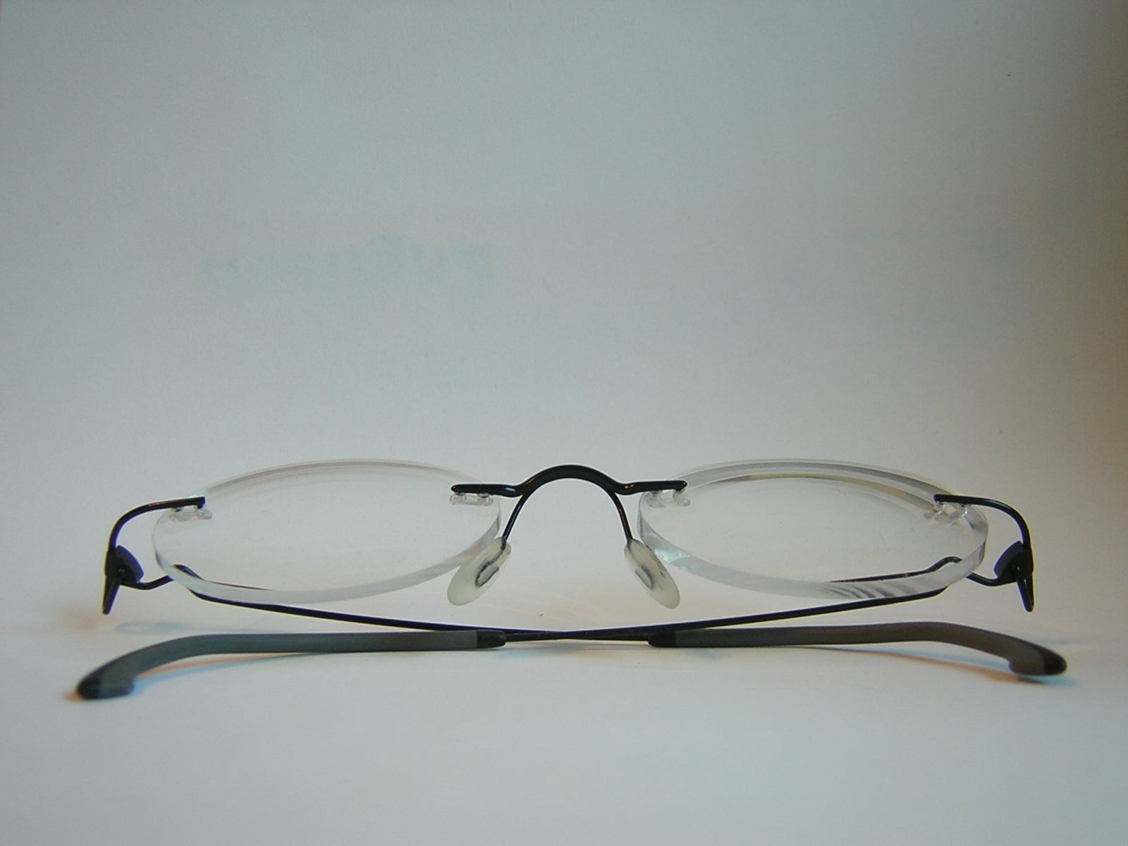 Eyeglasses With No Bottom Frame : File:No frame glasses.JPG - Wikimedia Commons