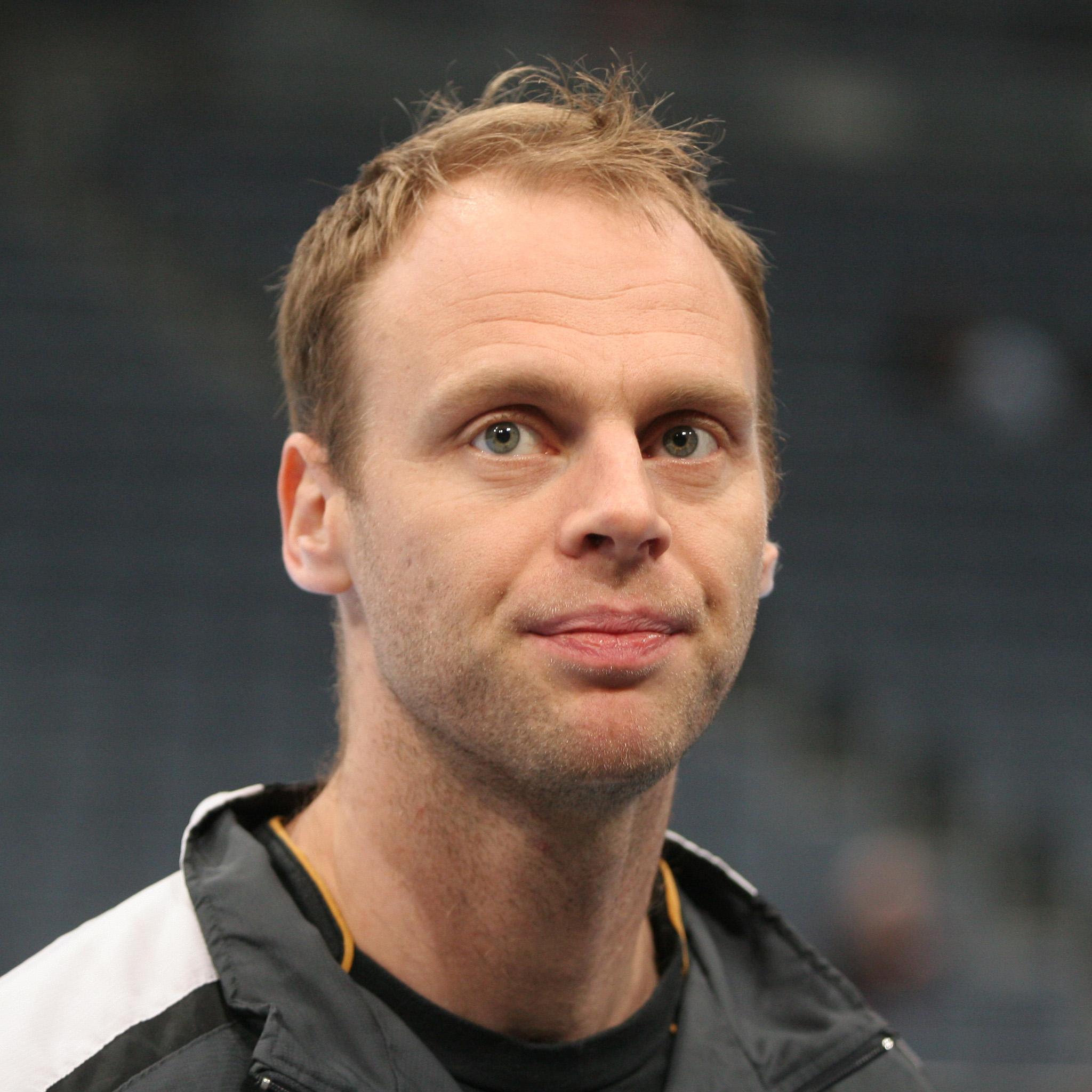 Ólafur Stefánsson, in Island fünffacher Sportler des Jahres[58] und Träger des isländischen Großritterkreuzes[59].