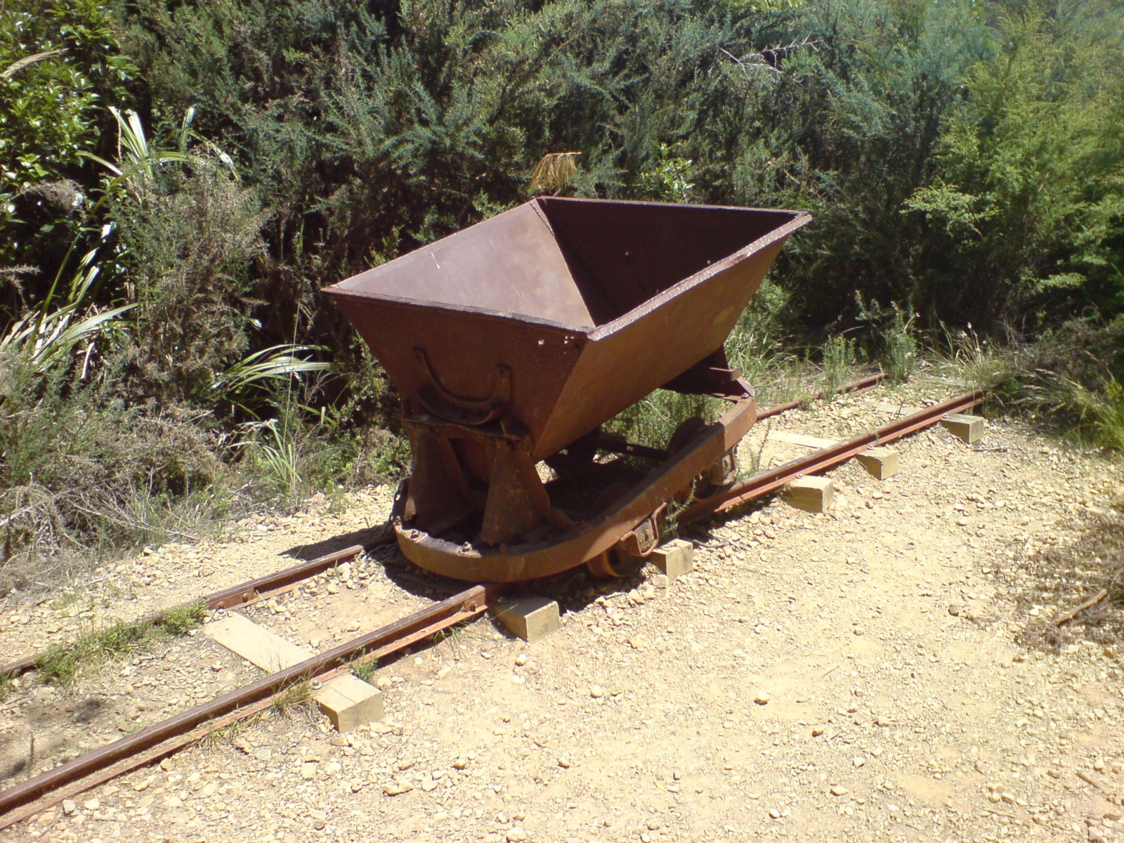 File Old Stamping Battery Ore Cart Remnants Jpg