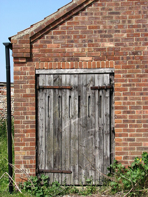 Merveilleux File:Old Barn Door   Geograph.org.uk   812071