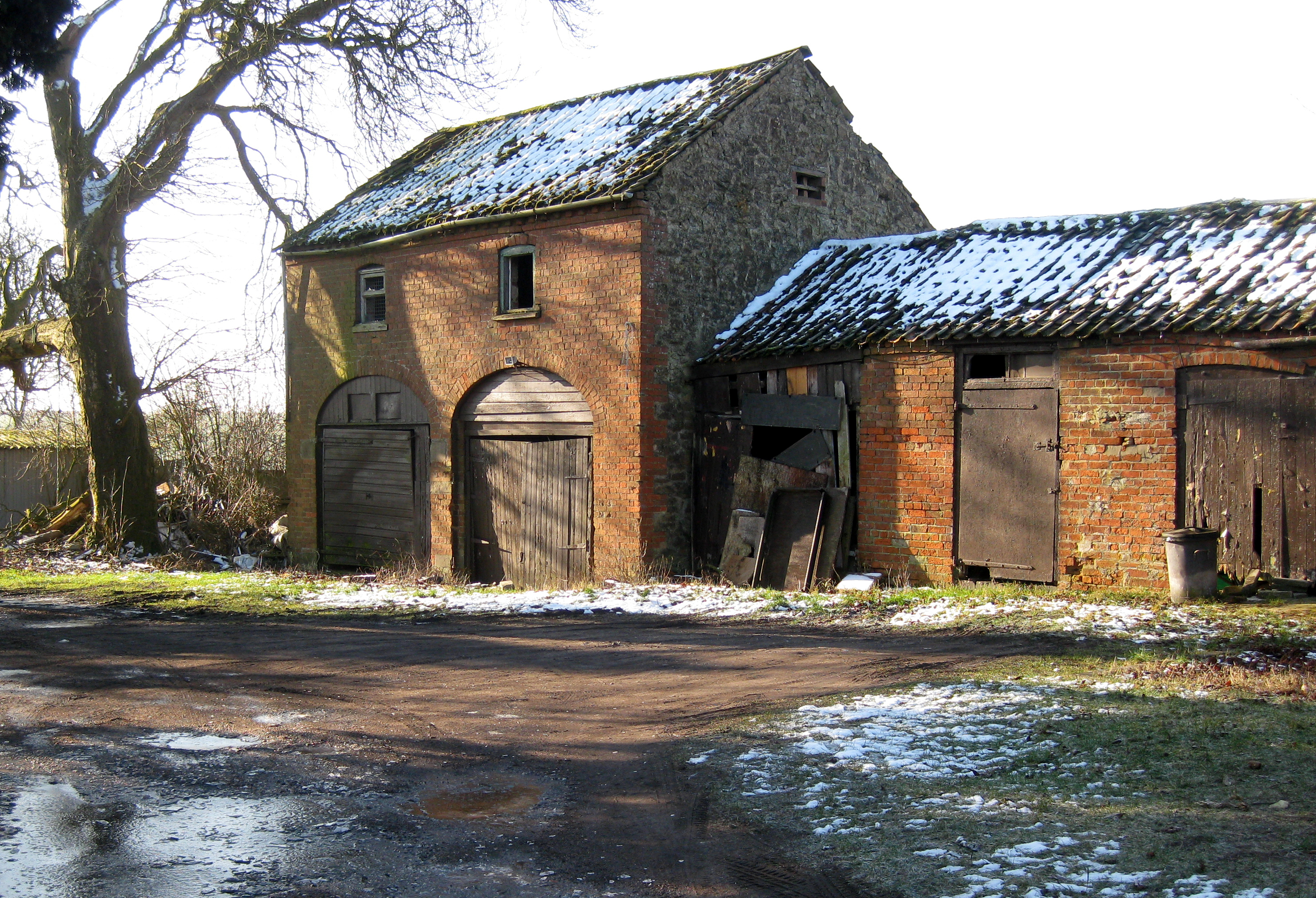 File Old Farm Building Geograph Org Uk 1723087 Jpg