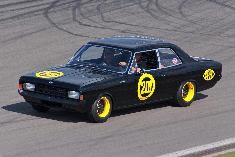 File Opel Rekord C Schwarze Witwe Jpg Wikimedia Commons