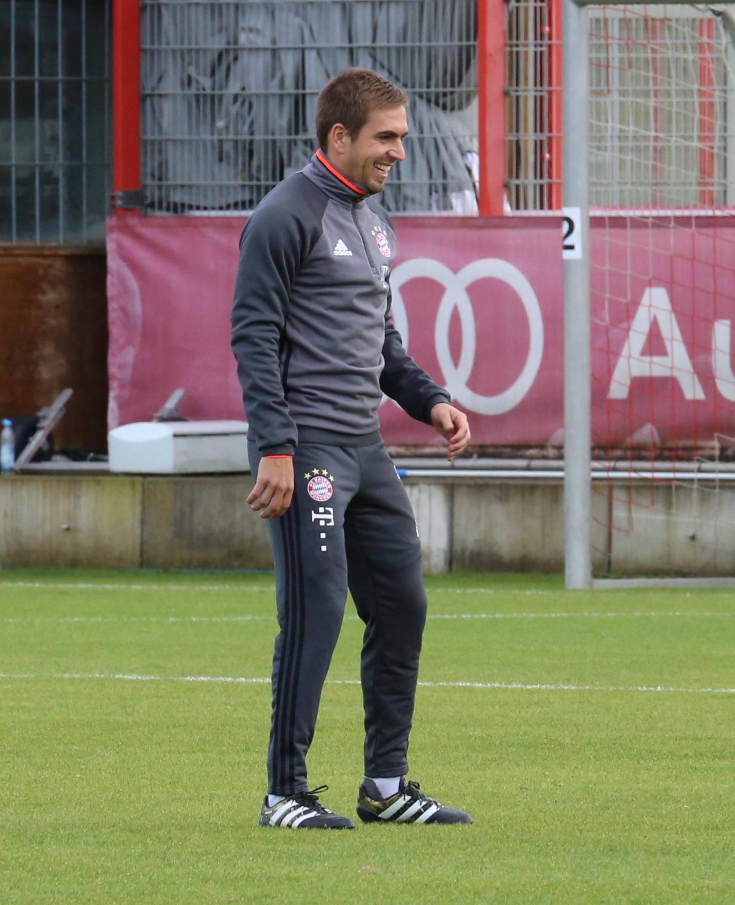 File Philipp Lahm Training 2016 11 FC Bayern Muenchen 12