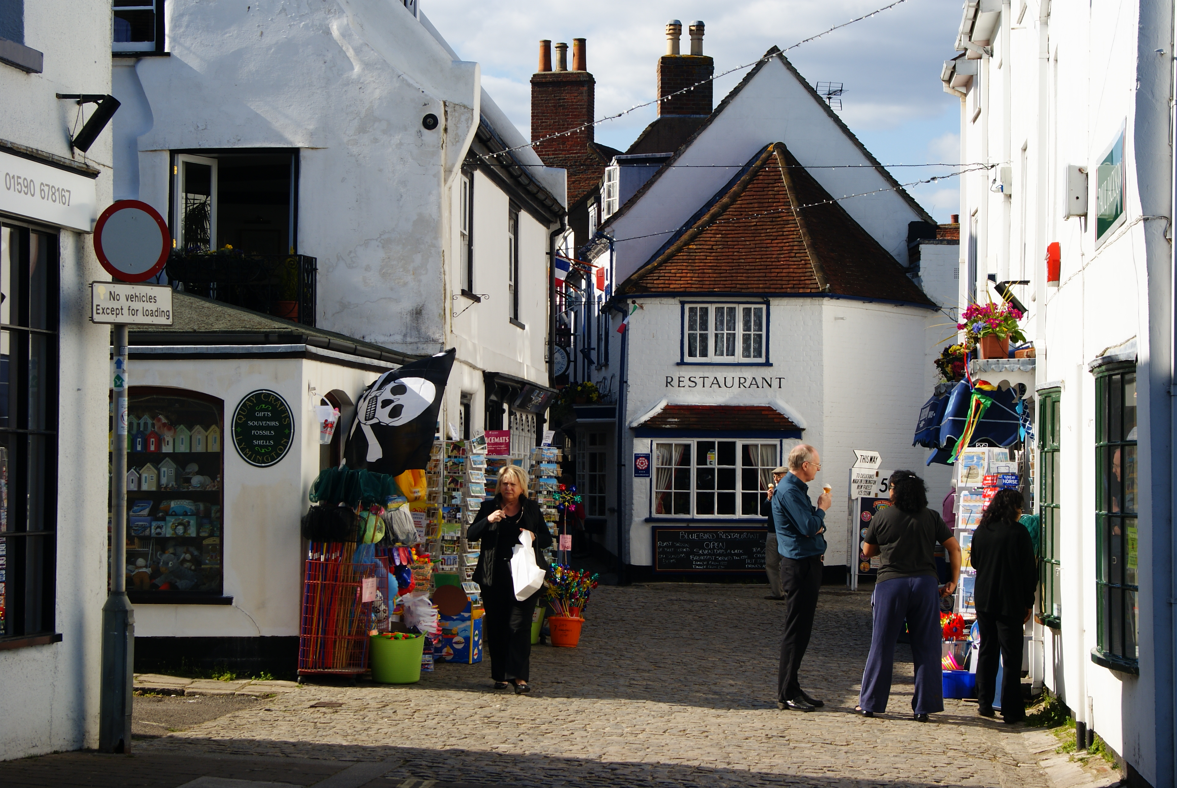 dating lymington Get the latest news in the lymington area from bbc news.