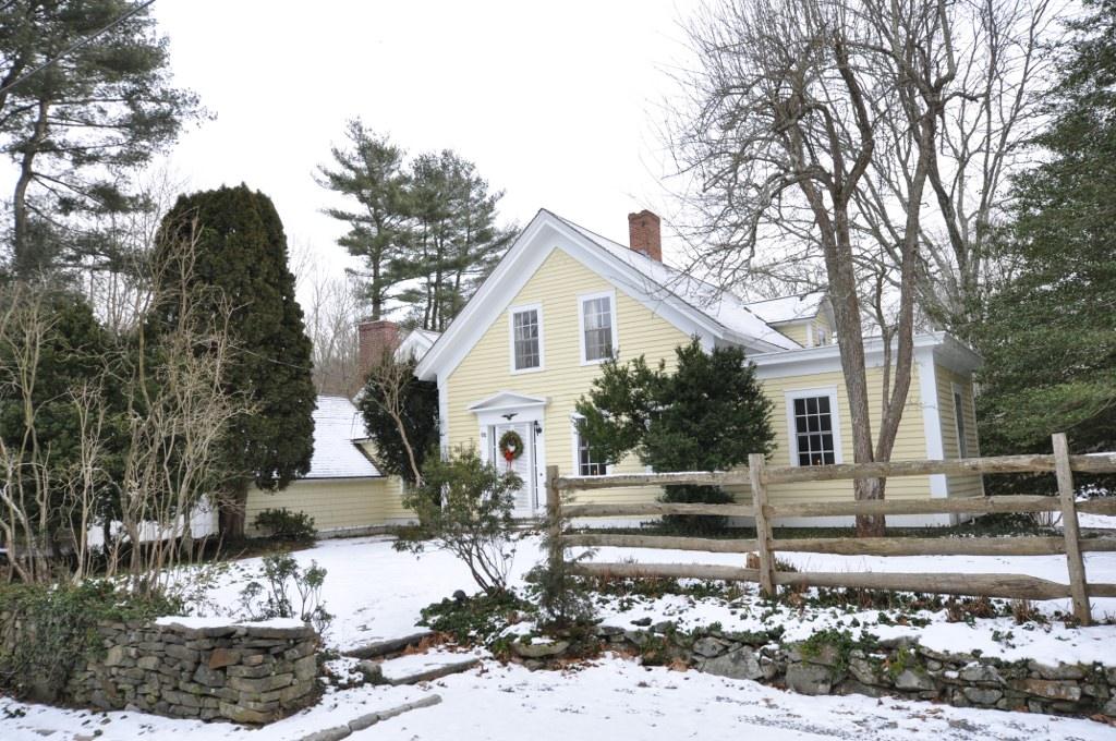 Samuel viall house massachusetts roadtrippers for Rehoboth house