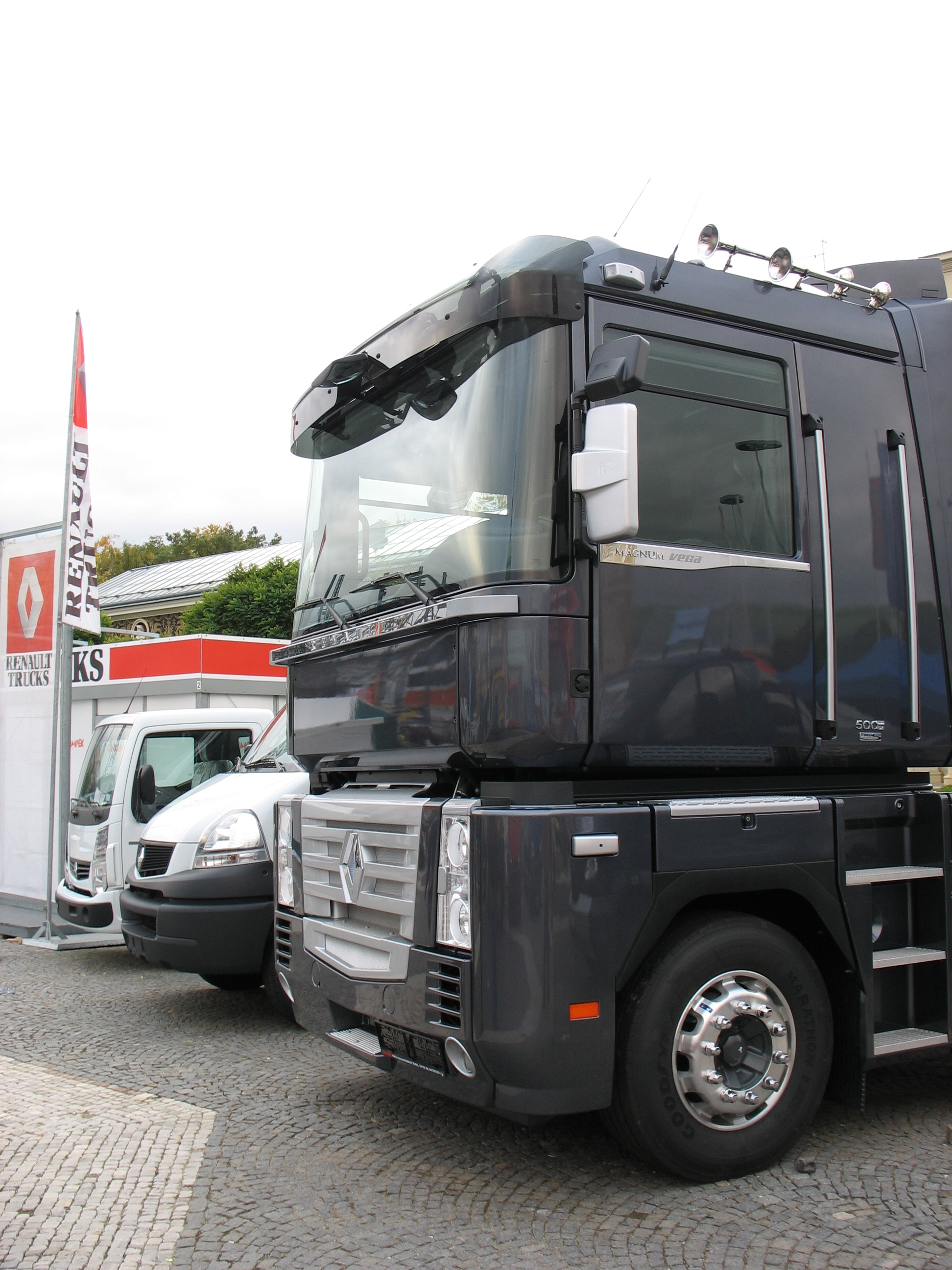 Renault_Trucks_at_the_Prague_Autoshow-20