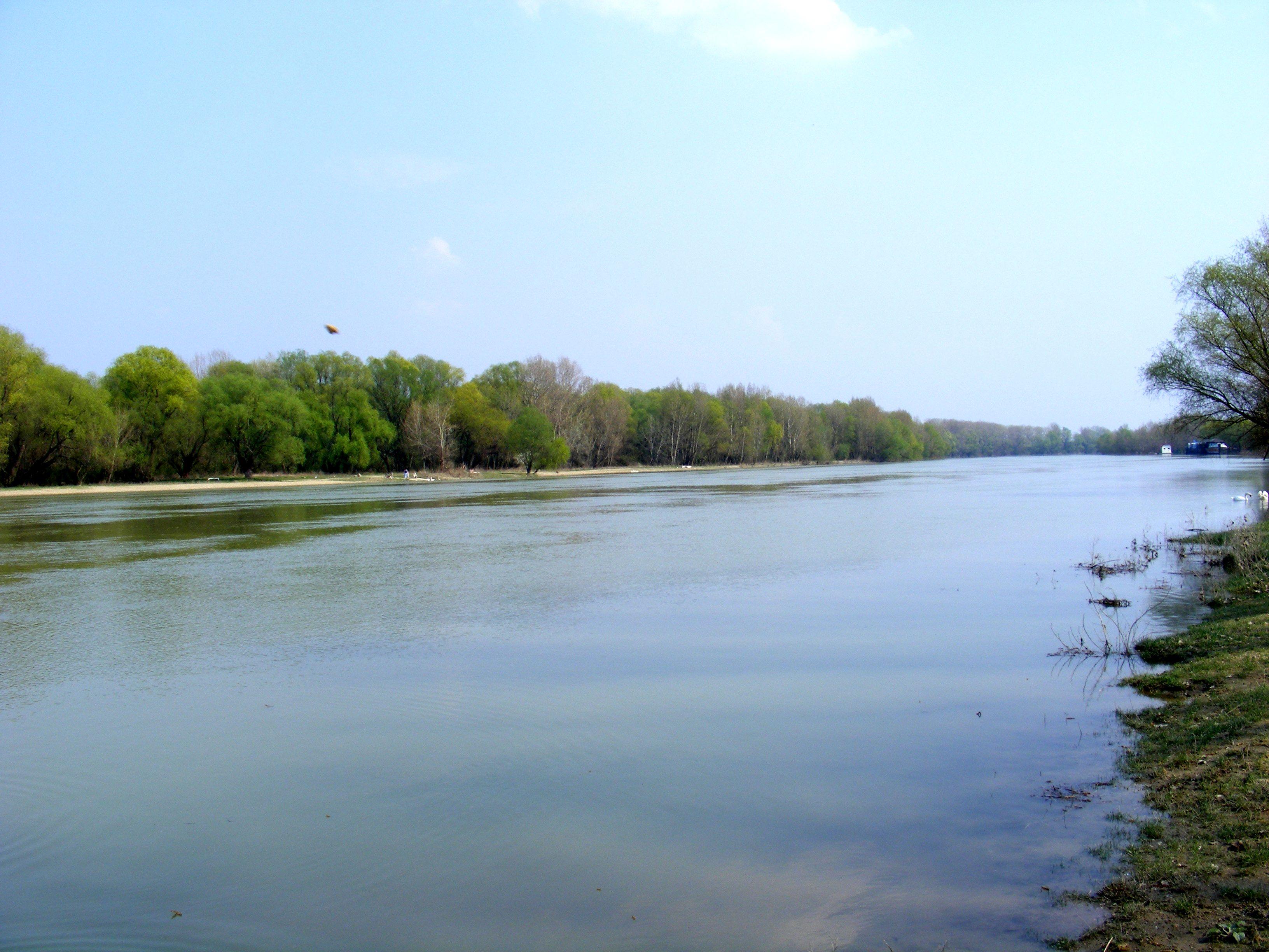 Súbor:rieka vah