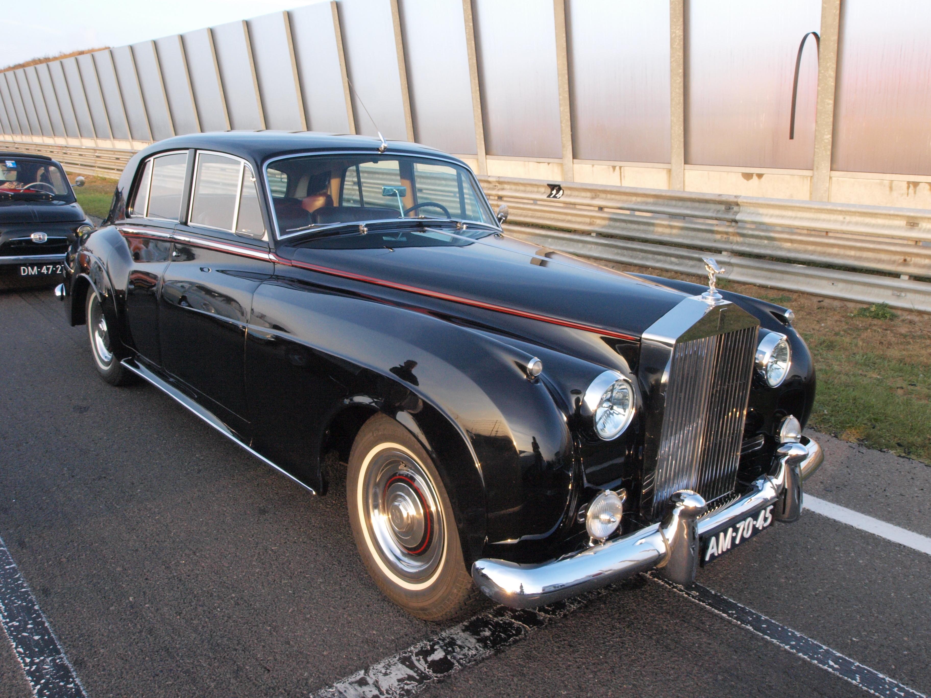 File:Rolls Royce Silver Cloud 1 dutch licence registration AM-70-45