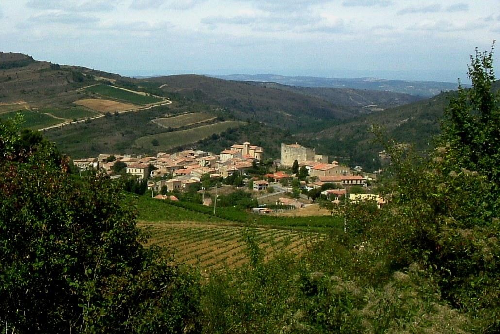 Vue du village de Roquetaillade.