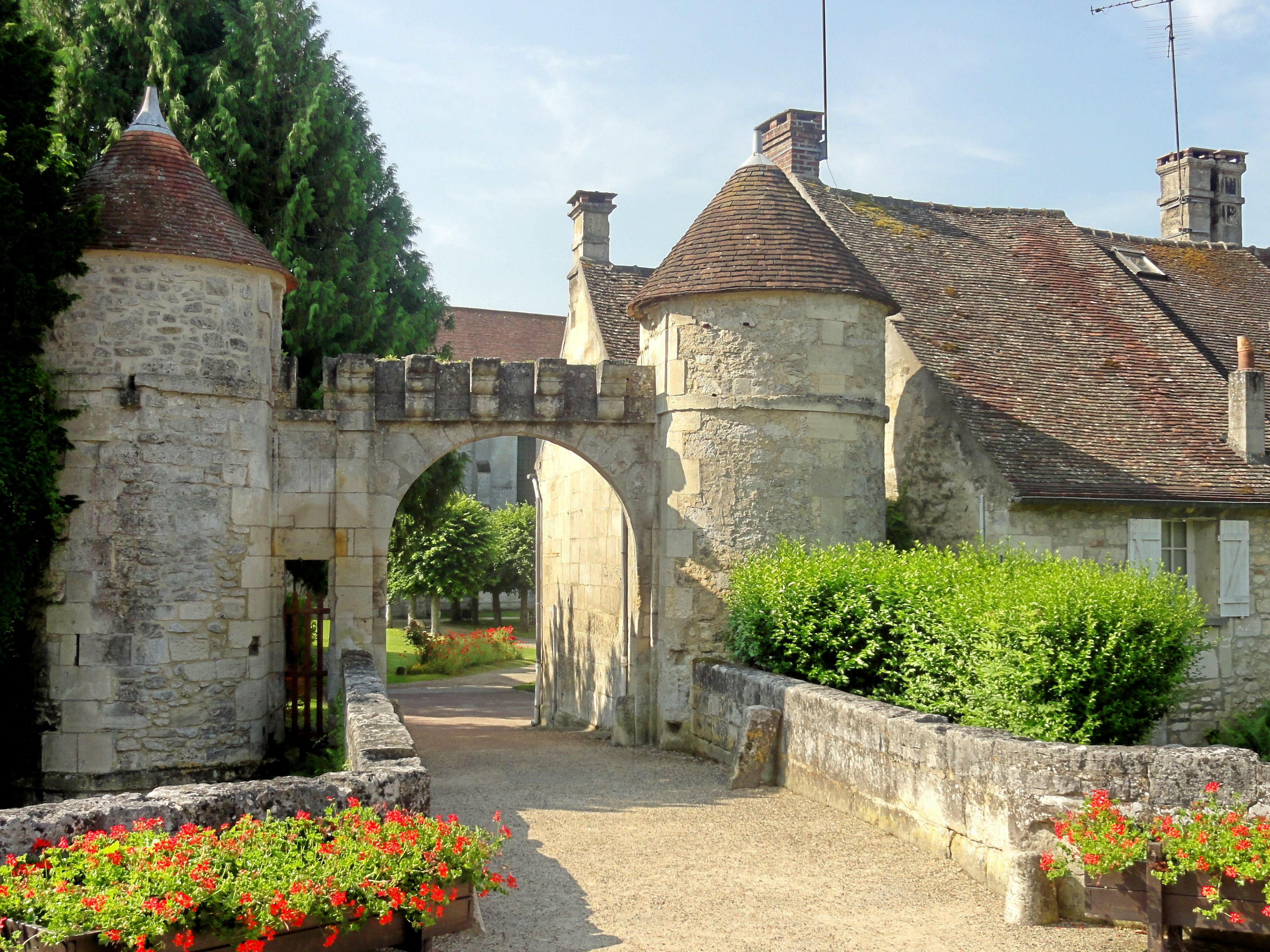 file saint jean aux bois 60 porte fortifi e de l 39 abbaye wikimedia commons. Black Bedroom Furniture Sets. Home Design Ideas