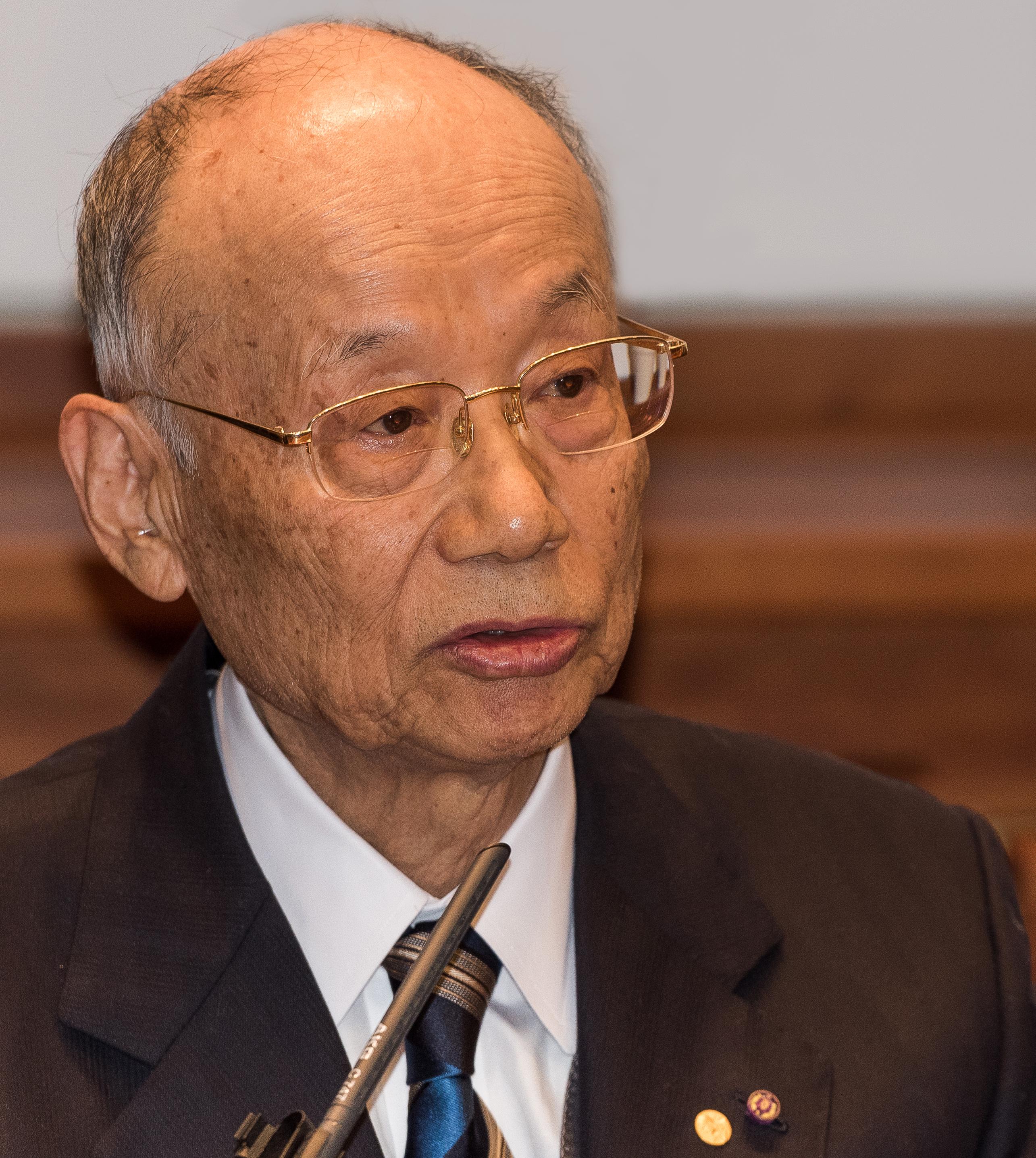 Satoshi Ōmura 5086-1-2015.jpg